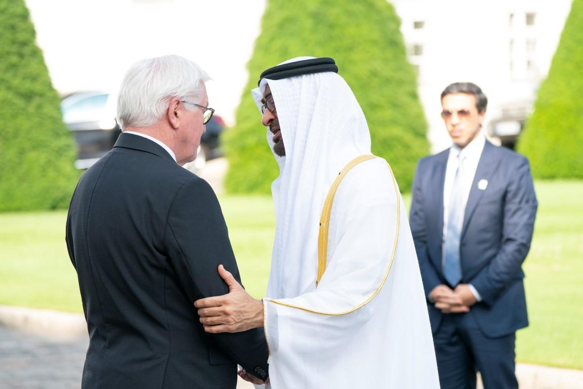 محمد بن زايد يبحث مع الرئيس الألماني تعزيز التعاون الثنائي بين البلدين