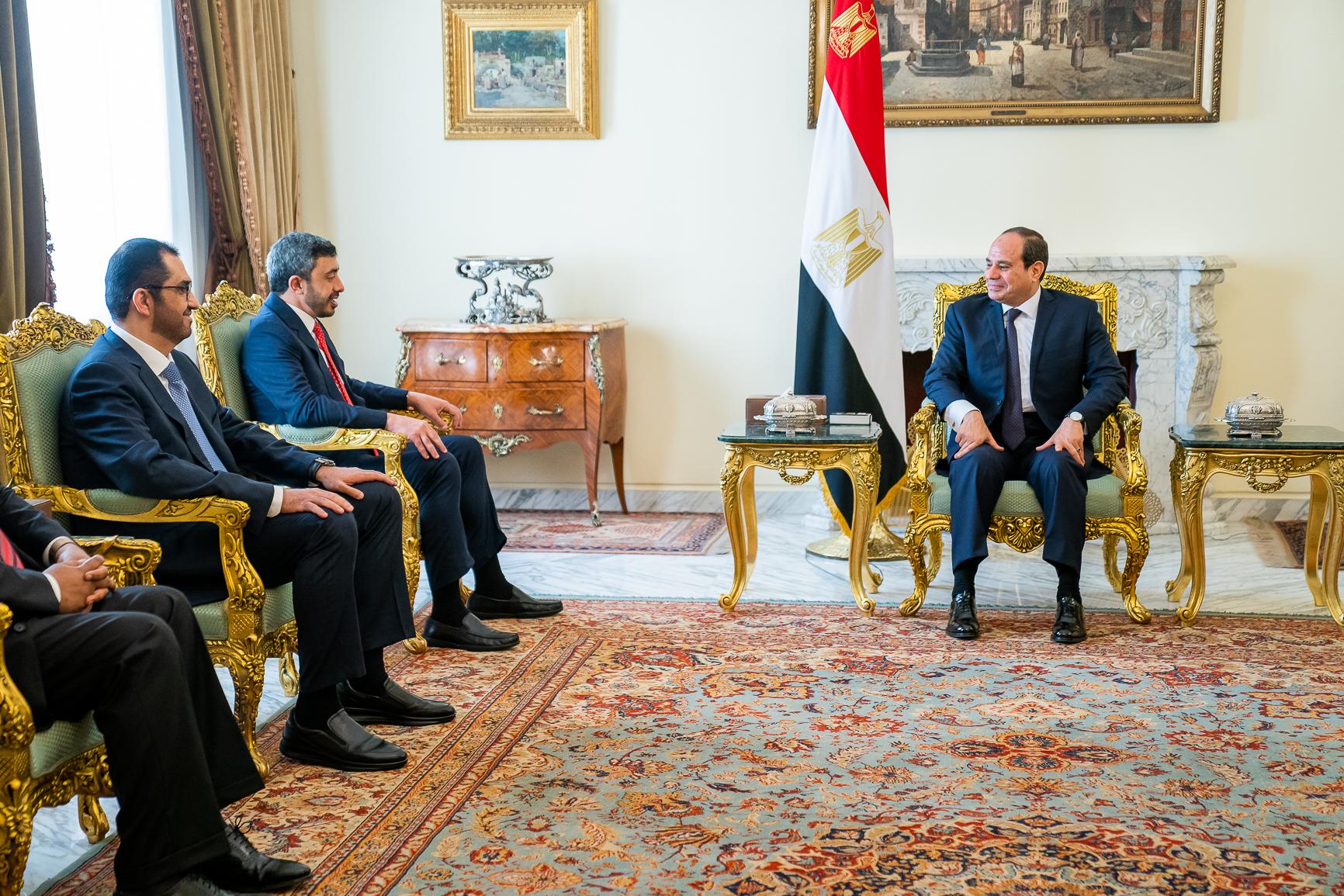 السيسي يستقبل عبدالله بن زايد ويؤكد تضامن مصر ودعمها للإمارات في مواجهة مختلف التحديات
