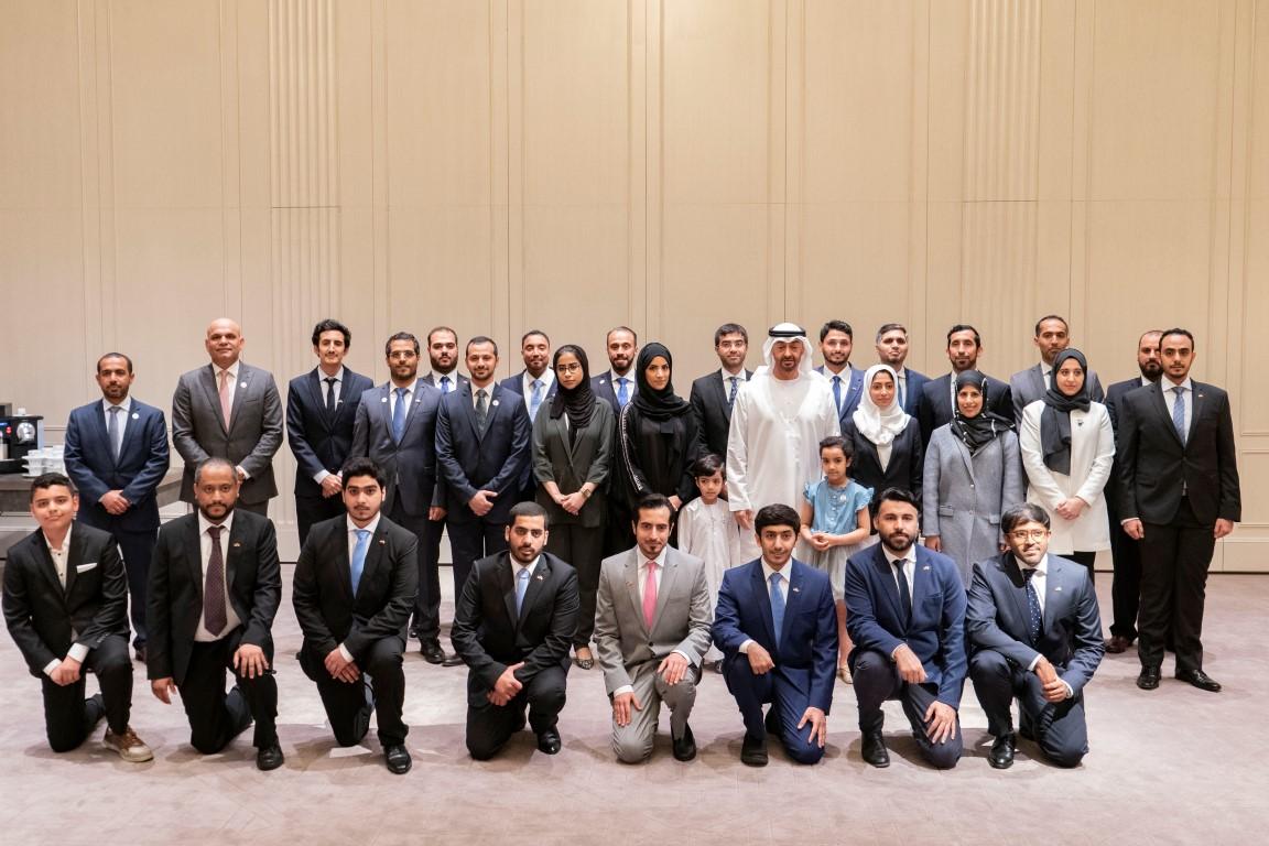 محمد بن زايد يلتقي طلبة الإمارات الدارسين في المانيا