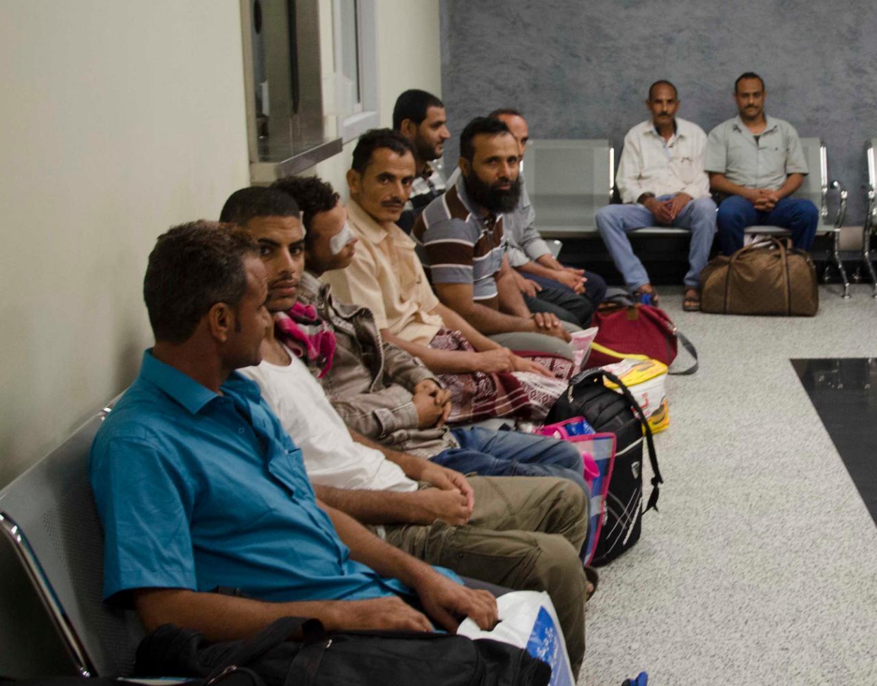 عدد من الجرحى اليمنيين يتلقون العلاج في القاهرة على نفقة الإمارات
