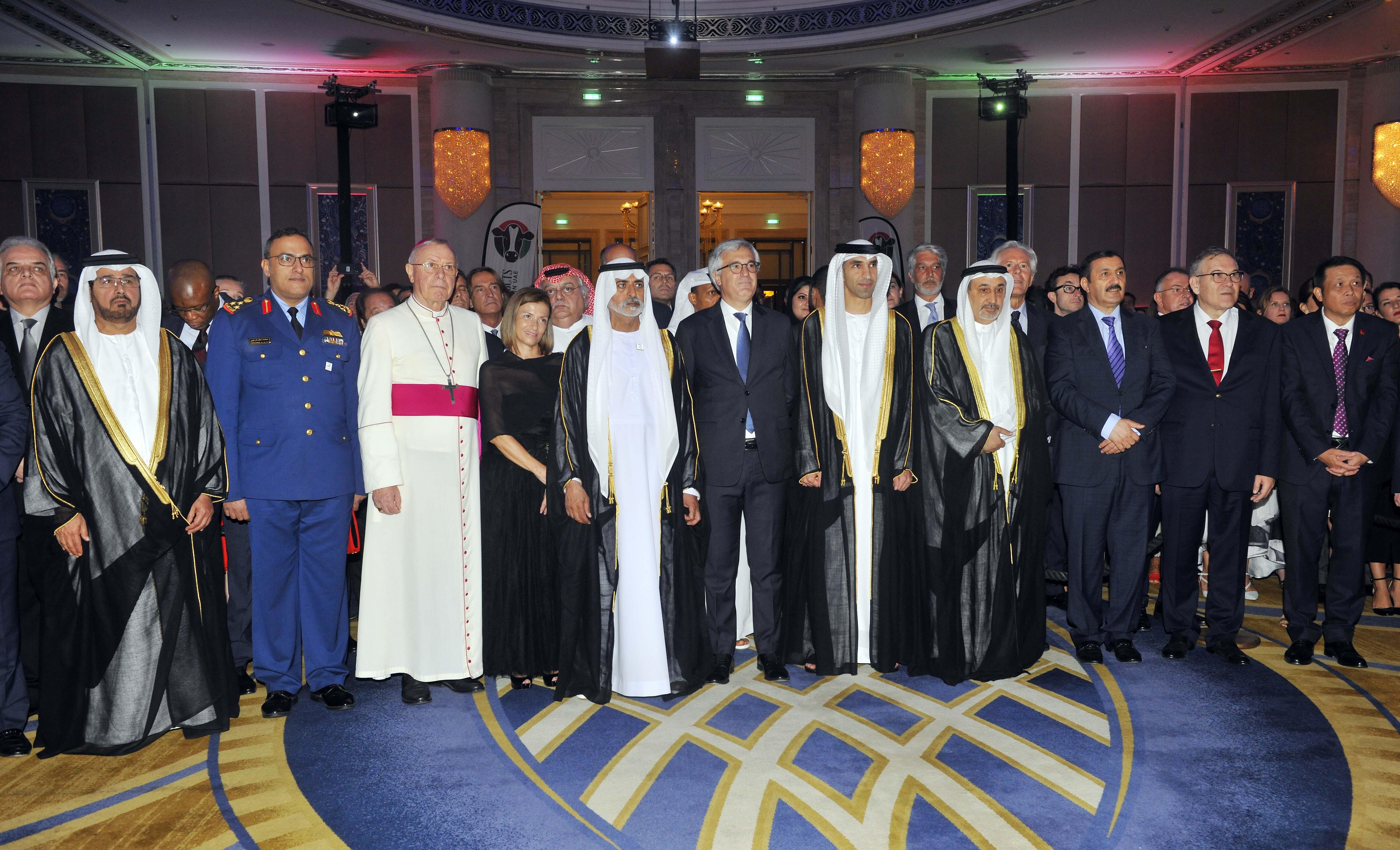 نهيان بن مبارك يحضر حفل الاستقبال الذي أقامه السفير الإيطالي بمناسبة اليوم الوطني لبلاده