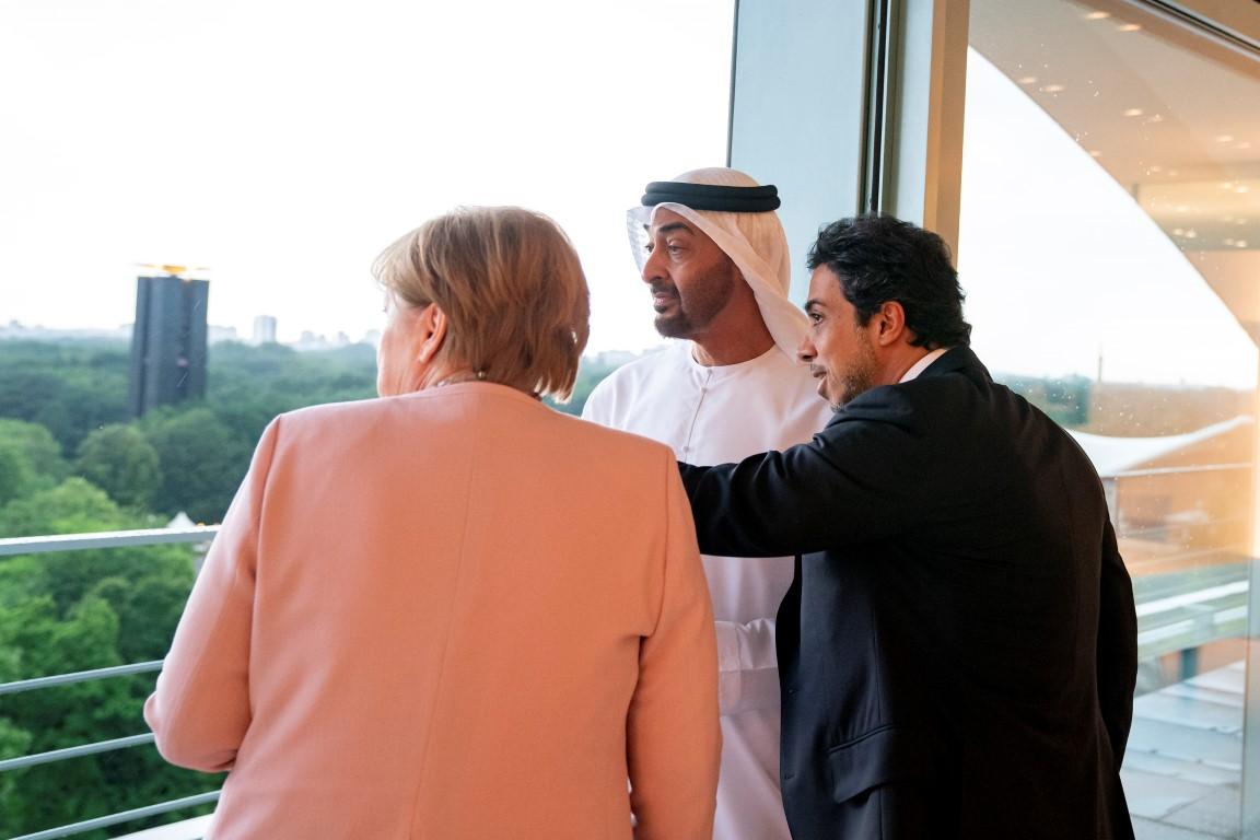 محمد بن زايد يحضر العشاء الرسمي في برلين