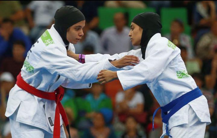 الإماراتية ريم الهاشمي أول بطلة ألعاب قتالية في العالم تدرس الفضاء