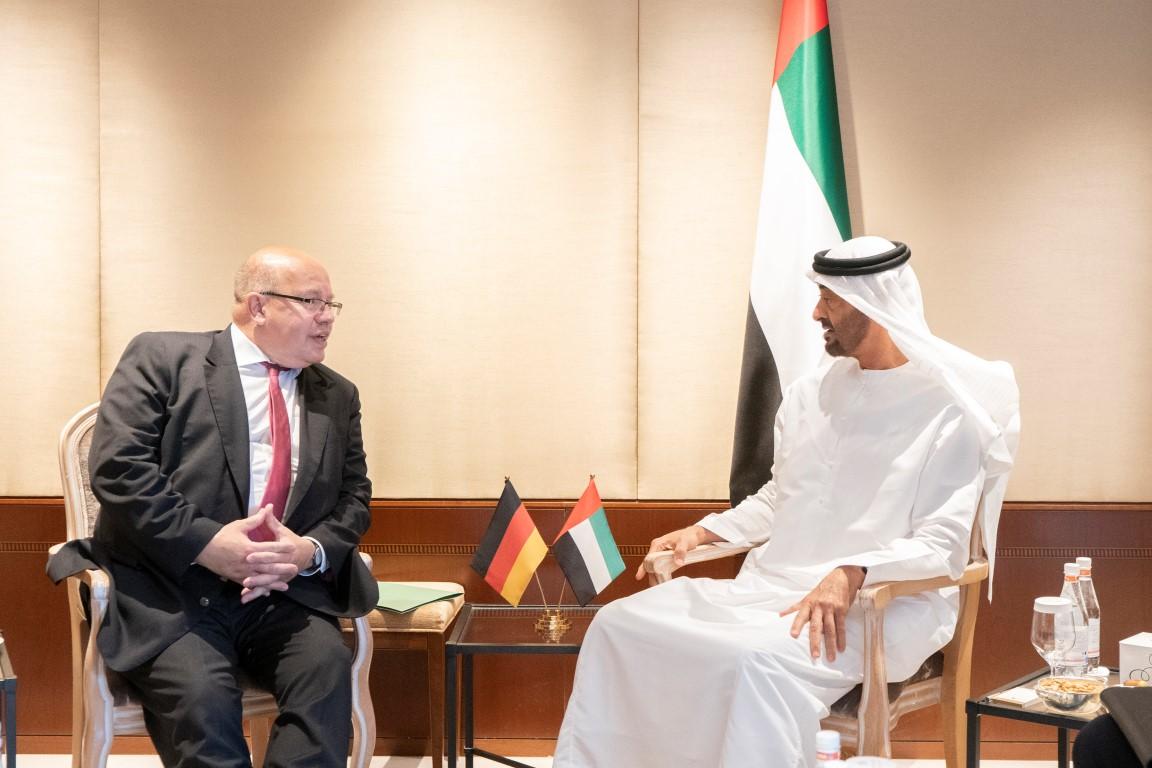 بن زايد ووزير الاقتصاد الألماني يبحثان علاقات التعاون بين البلدين.