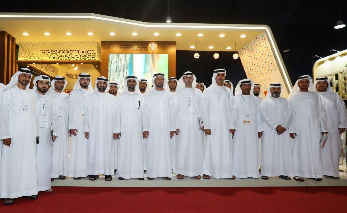 بلدية أبوظبي تستعرض خدماتها الرقمية في مهرجان ليوا للرطب