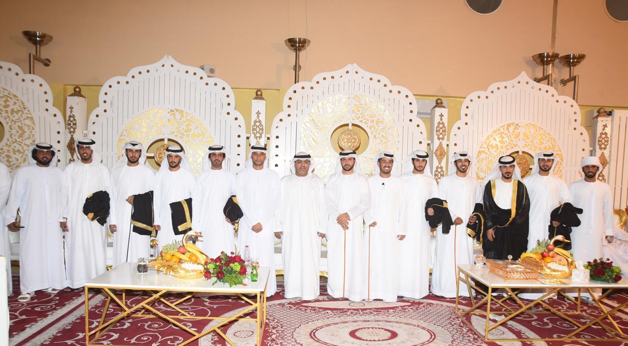 سعيد بن طحنون يحضر العرس الجماعي لقبيلة الدروع