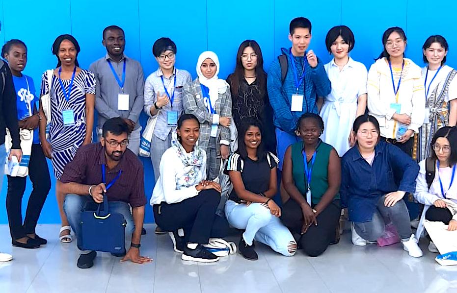 طالبات جامعة زايد يحصدن الجائزة الأولى في مؤتمر دولي بالصين