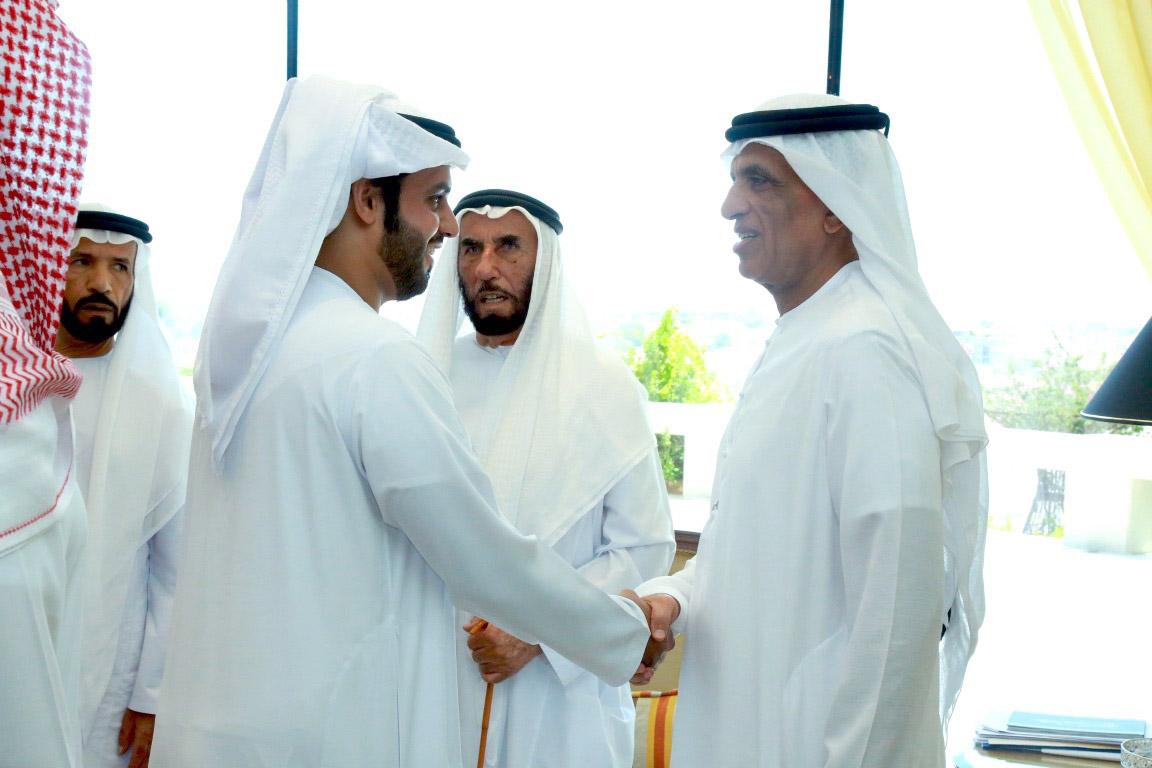 """حاكم رأس الخيمة يستقبل الشعراء المشاركين في برنامج """"شاعر المليون"""""""