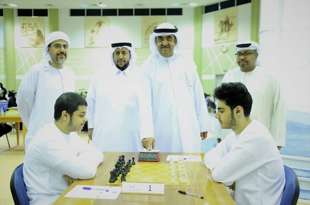 سعود المعلا يدشن الجولة الثالثة من بطولة الإمارات للشطرنج