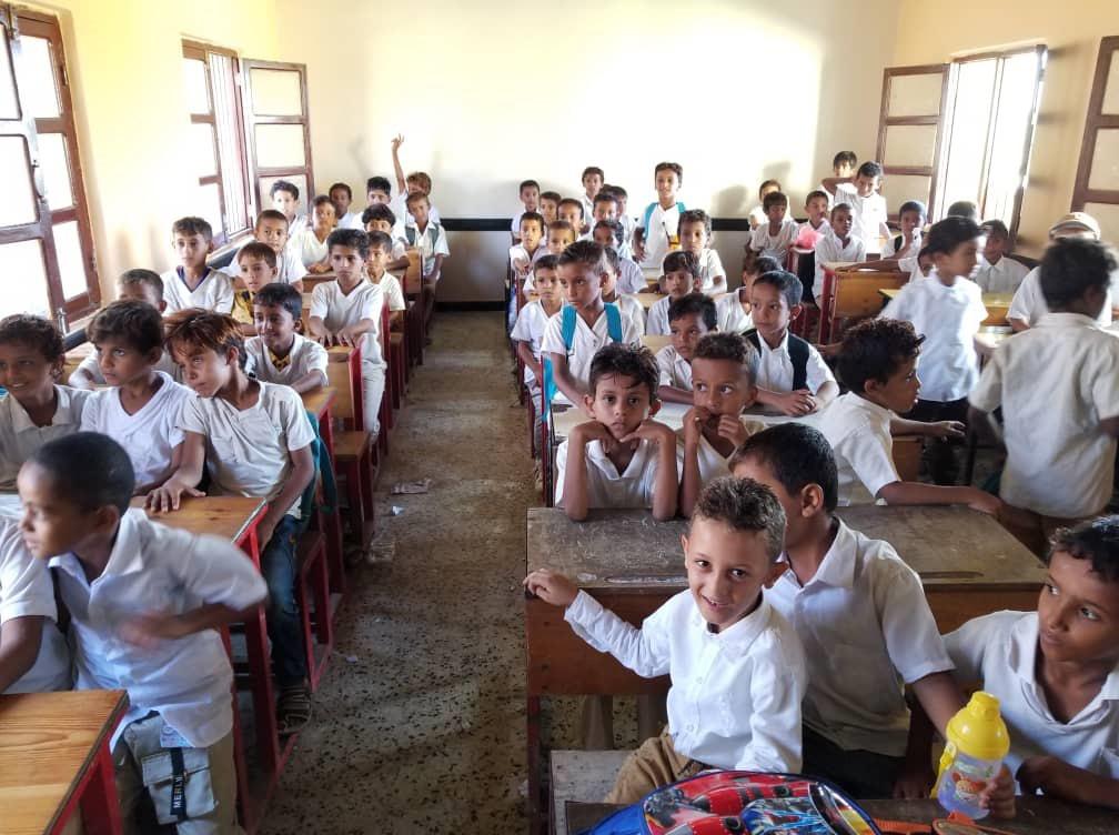 تقرير / الإمارات تعيد تأهيل 13 مدرسة في 5 محافظات يمنية