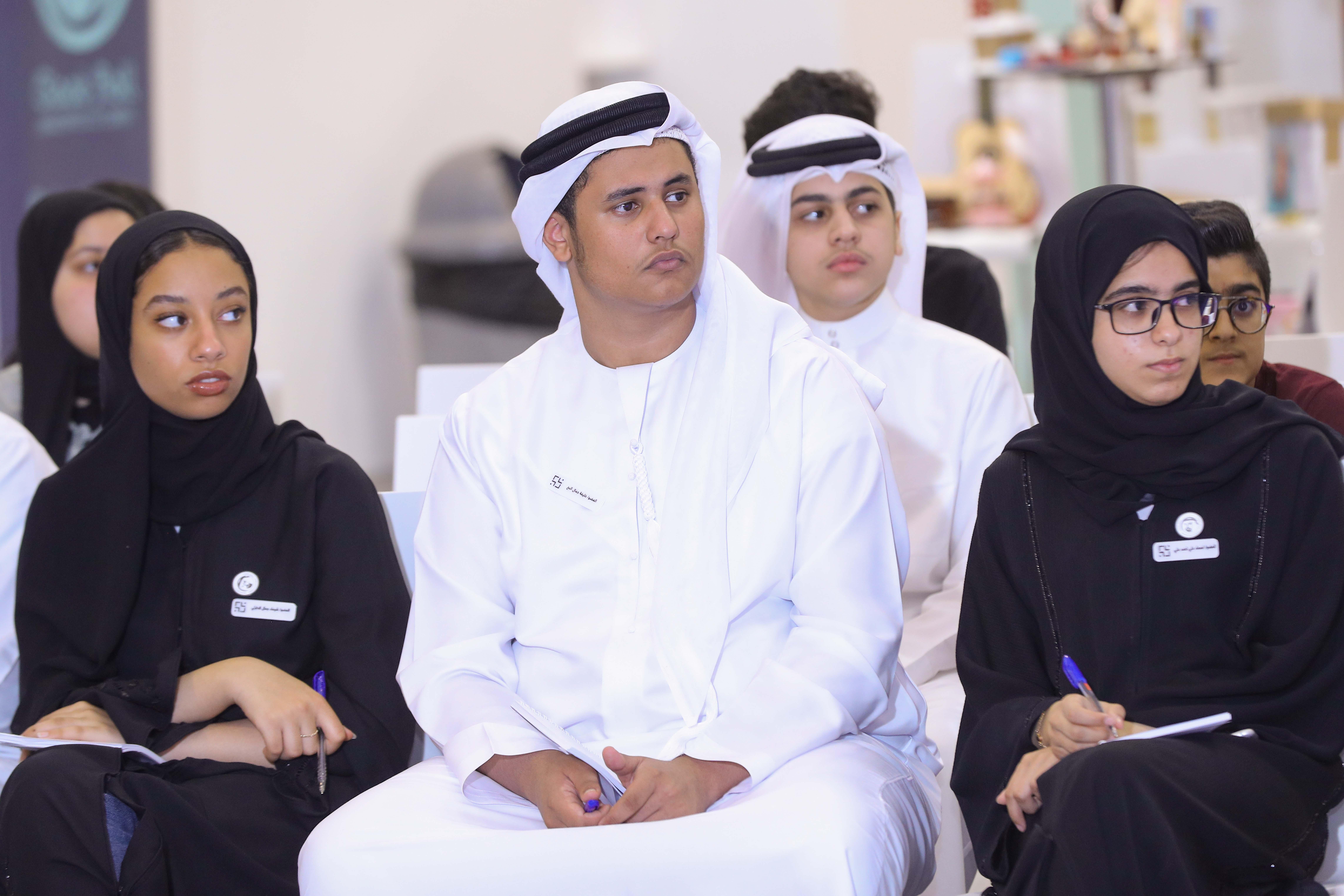 """""""شورى أطفال وشباب الشارقة"""" يناقشون محور""""التطوع"""" في البحرين"""