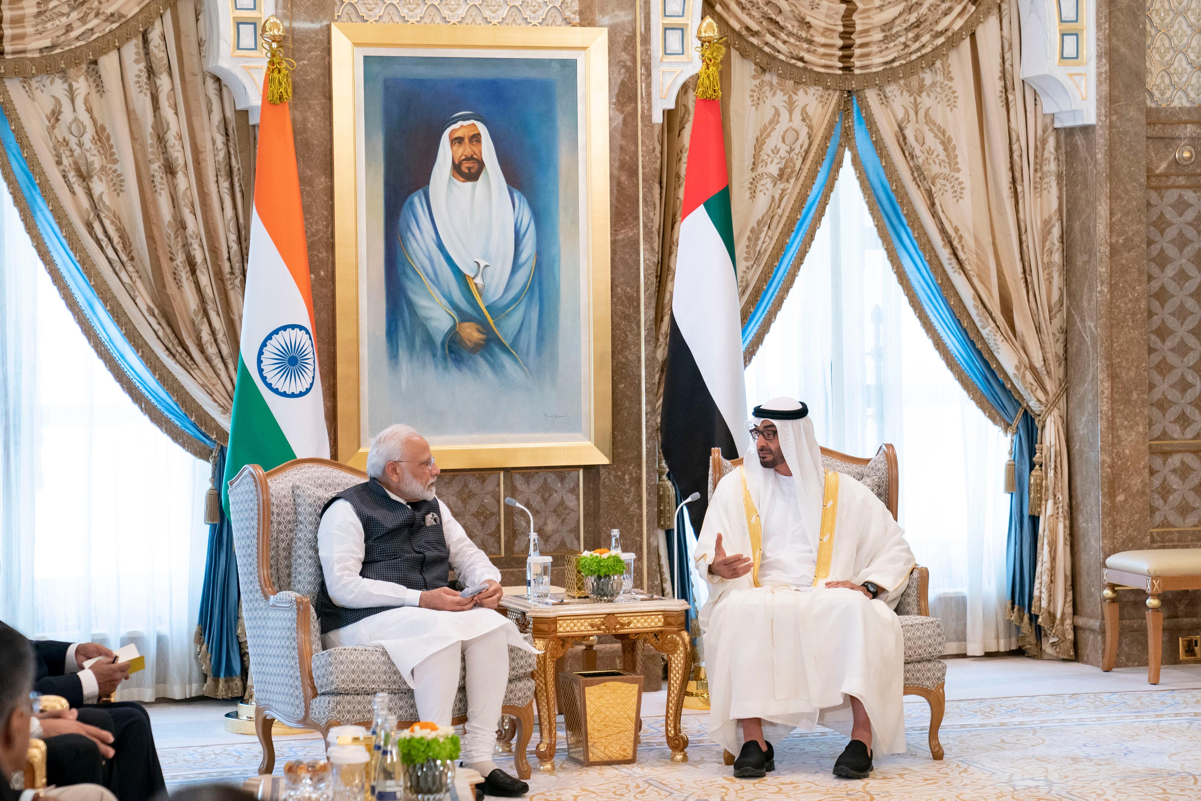 محمد بن زايد ورئيس وزراء الهند يبحثان علاقات البلدين والمستجدات الإقليمية والدولية