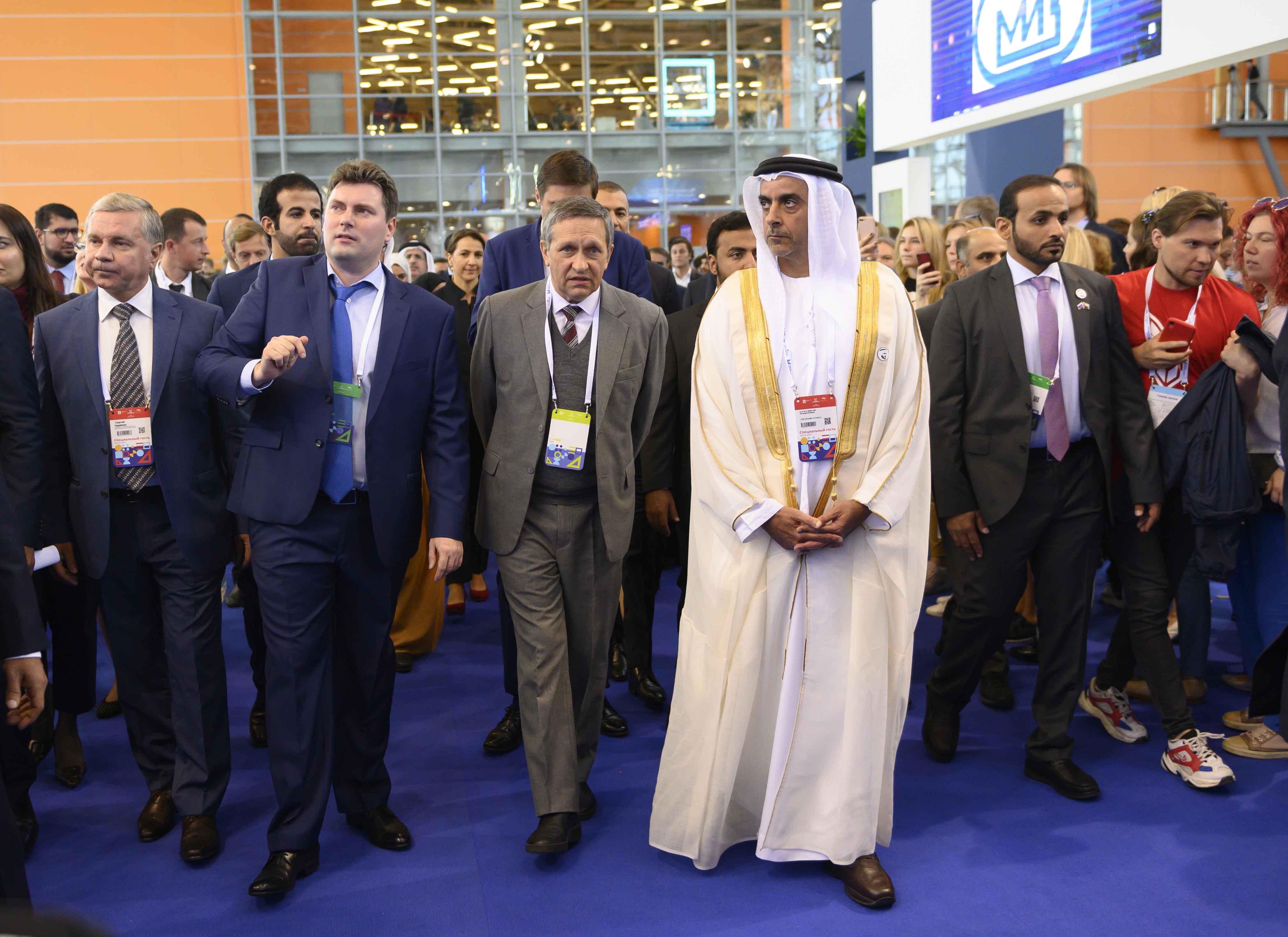 سيف بن زايد يفتتح الدورة الثالثة من قمة أقدر العالمية في موسكو