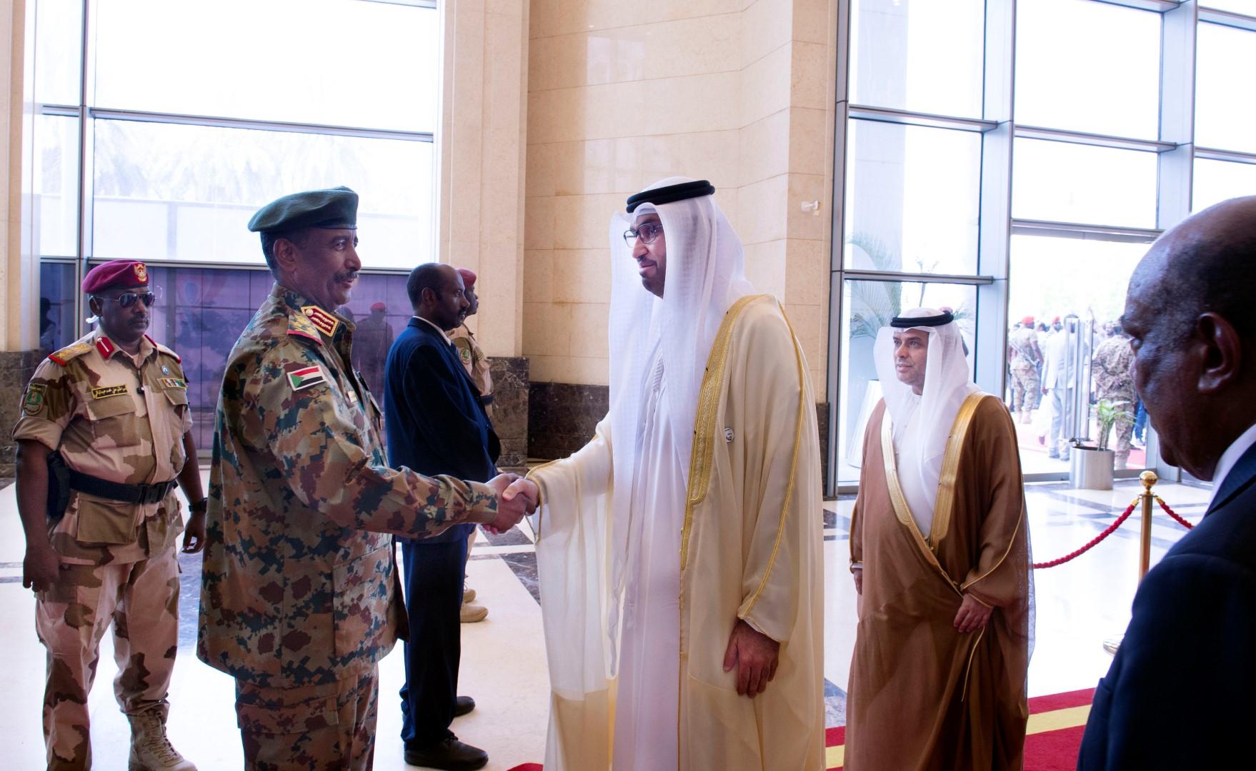 الإمارات تشارك فى مراسم حفل توقيع على وثائق الانتقال للسلطة المدنية في السودان