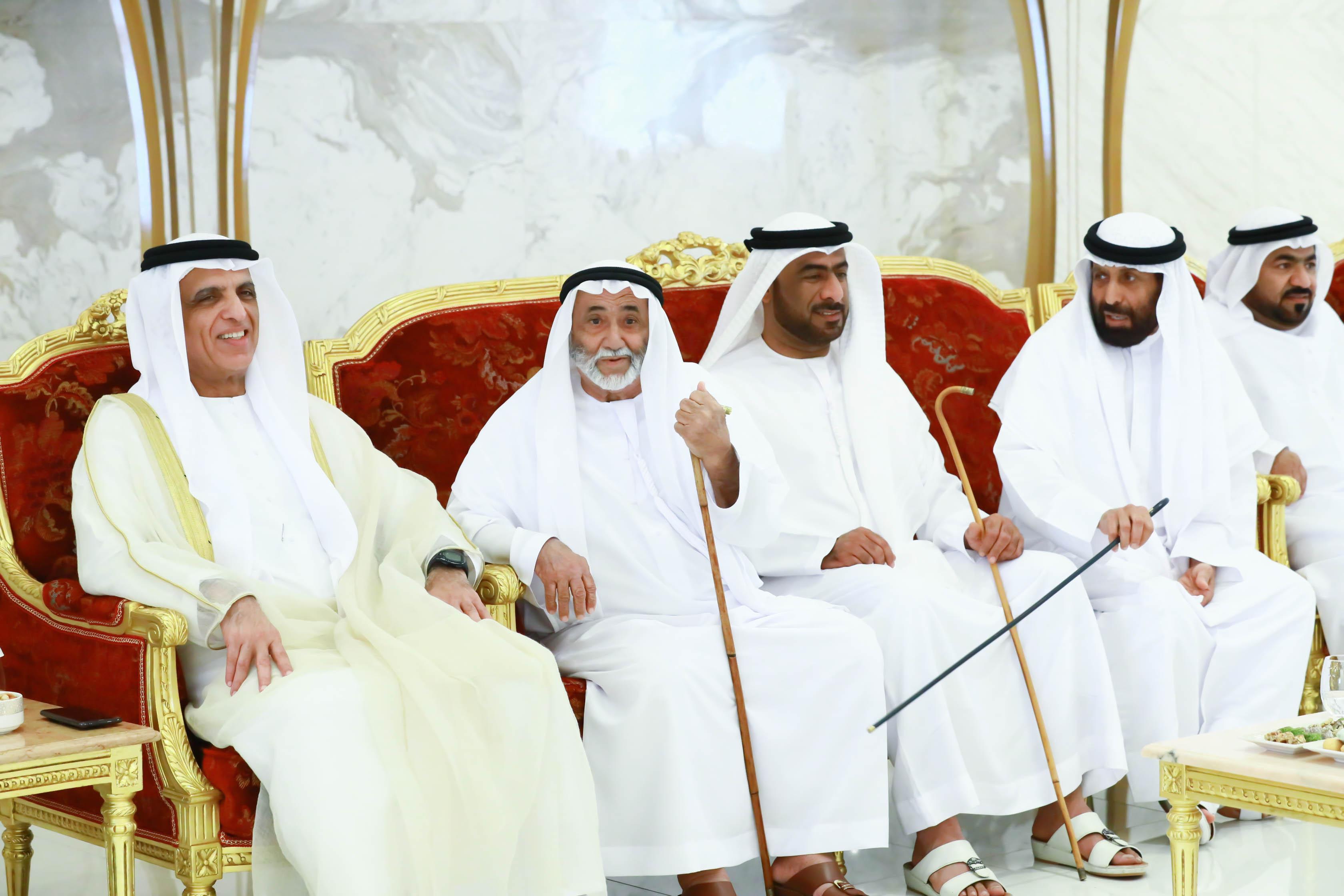 حاكم رأس الخيمة يواصل استقبال المهنئين بالعيد