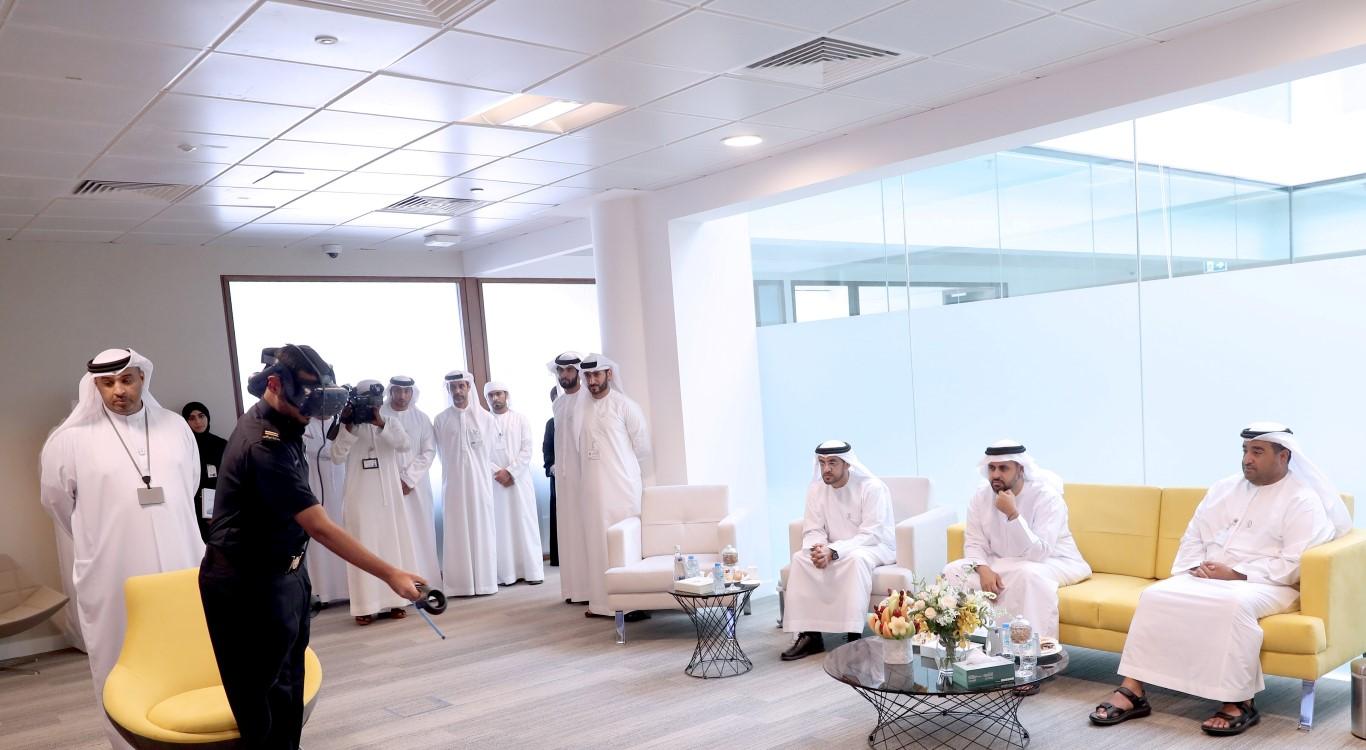ذياب بن محمد بن زايد يطلع على منظومة العمل واستراتيجية التطوير لجمارك أبوظبي