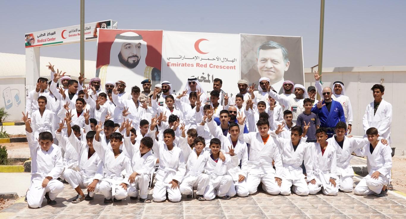 برنامج محمد بن زايد الصيفي للجوجيتسو يستقطب طاقات الشباب في مخيم مريجيب الفهود بالأردن
