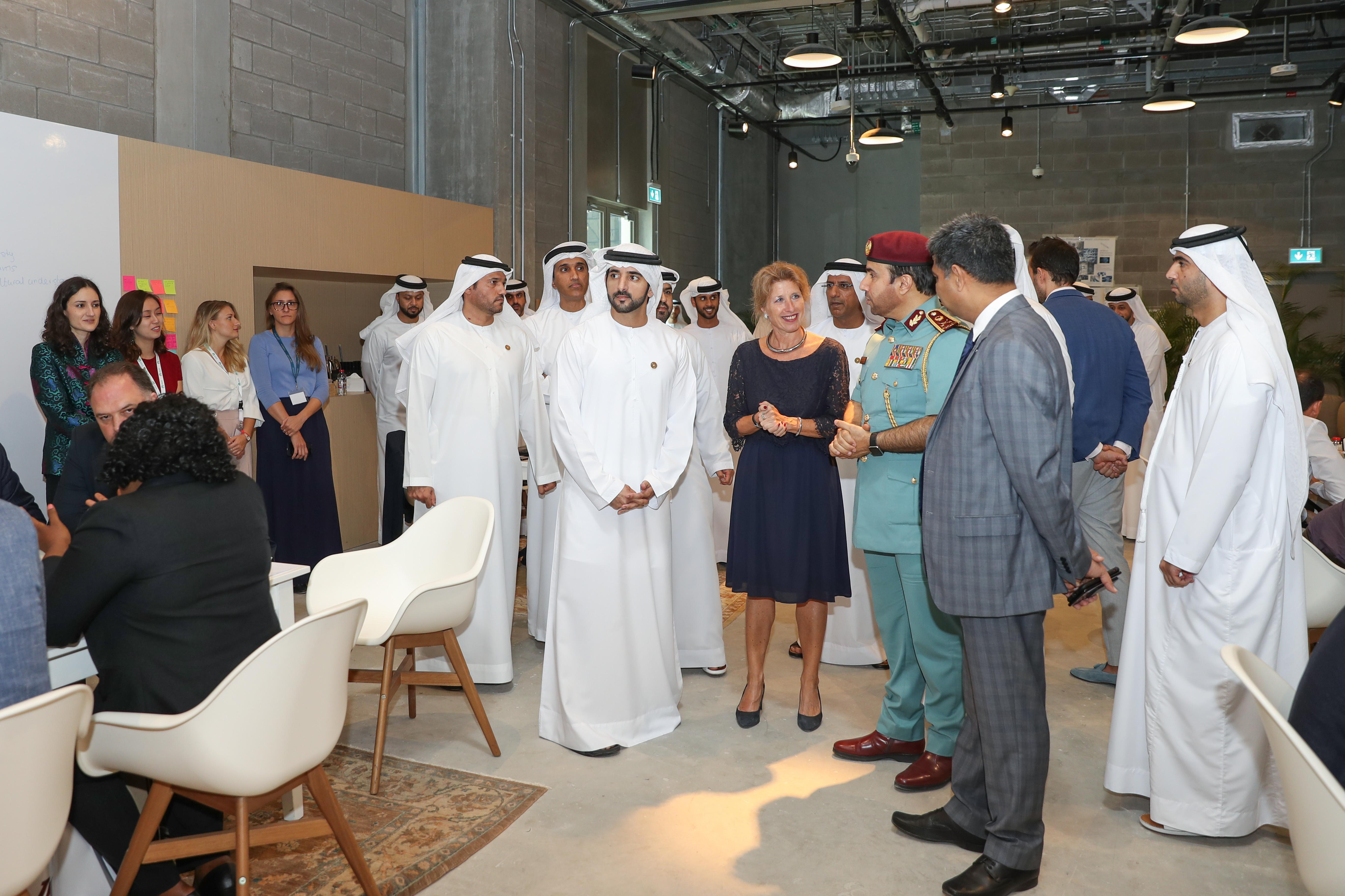 حمدان بن محمد يشهد ختام فعاليات البرنامج العالمي للقيادات الشرطية الشابة للإنتربول