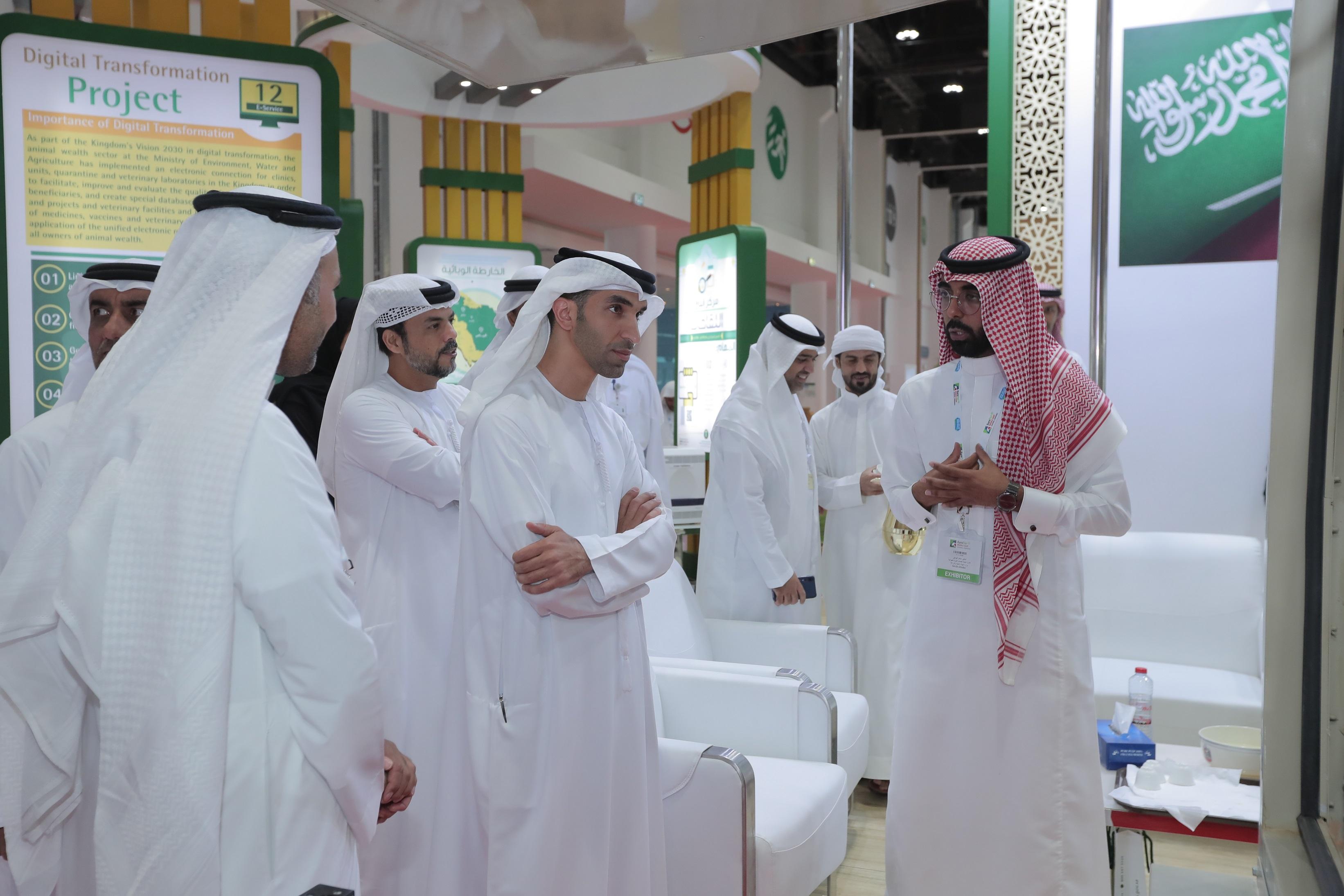 """برعاية منصور بن زايد ..انطلاق فعاليات معرض """"يوروتير الشرق الأوسط"""" في أبوظبي"""