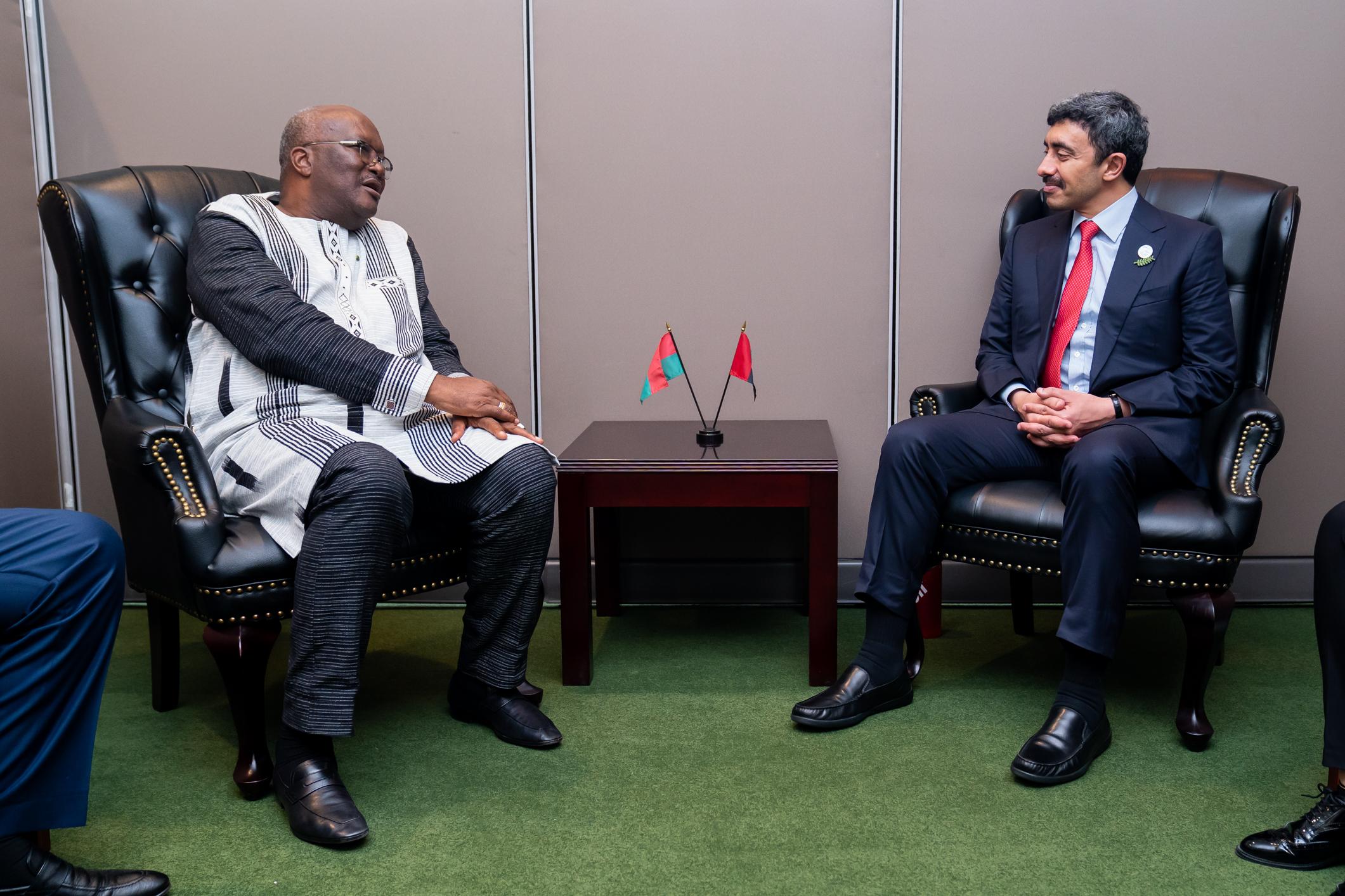 عبدالله بن زايد يلتقي رئيس بوركينا فاسو في نيويورك