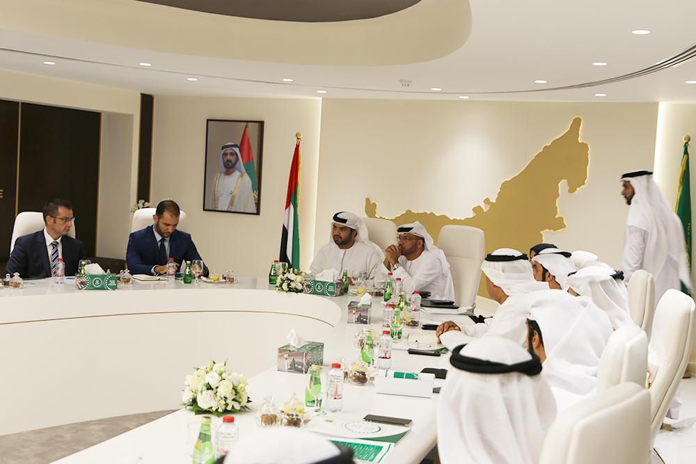وفد من جهات إنفاذ القانون في أوروبا يطلع على تجارب شرطة دبي