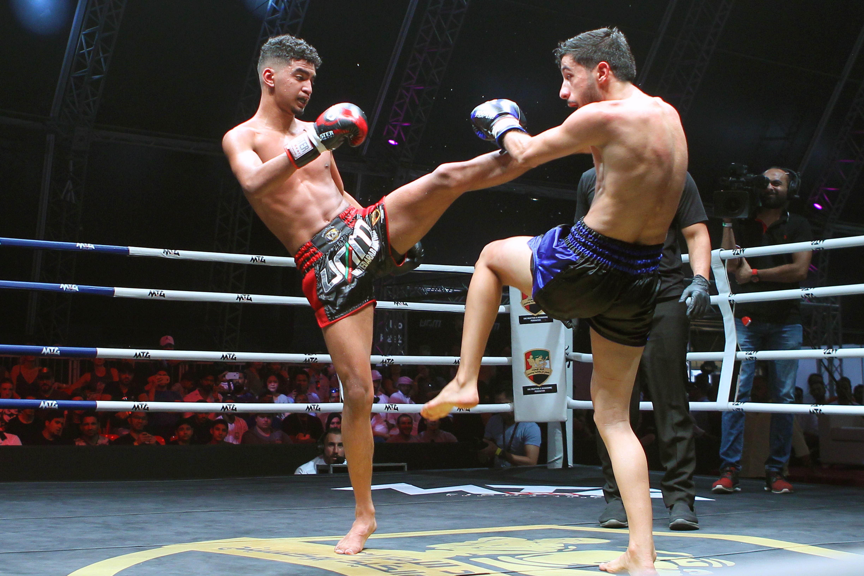 نهيان بن زايد يشهد منافسات بطولة المواي تاي في أبوظبي