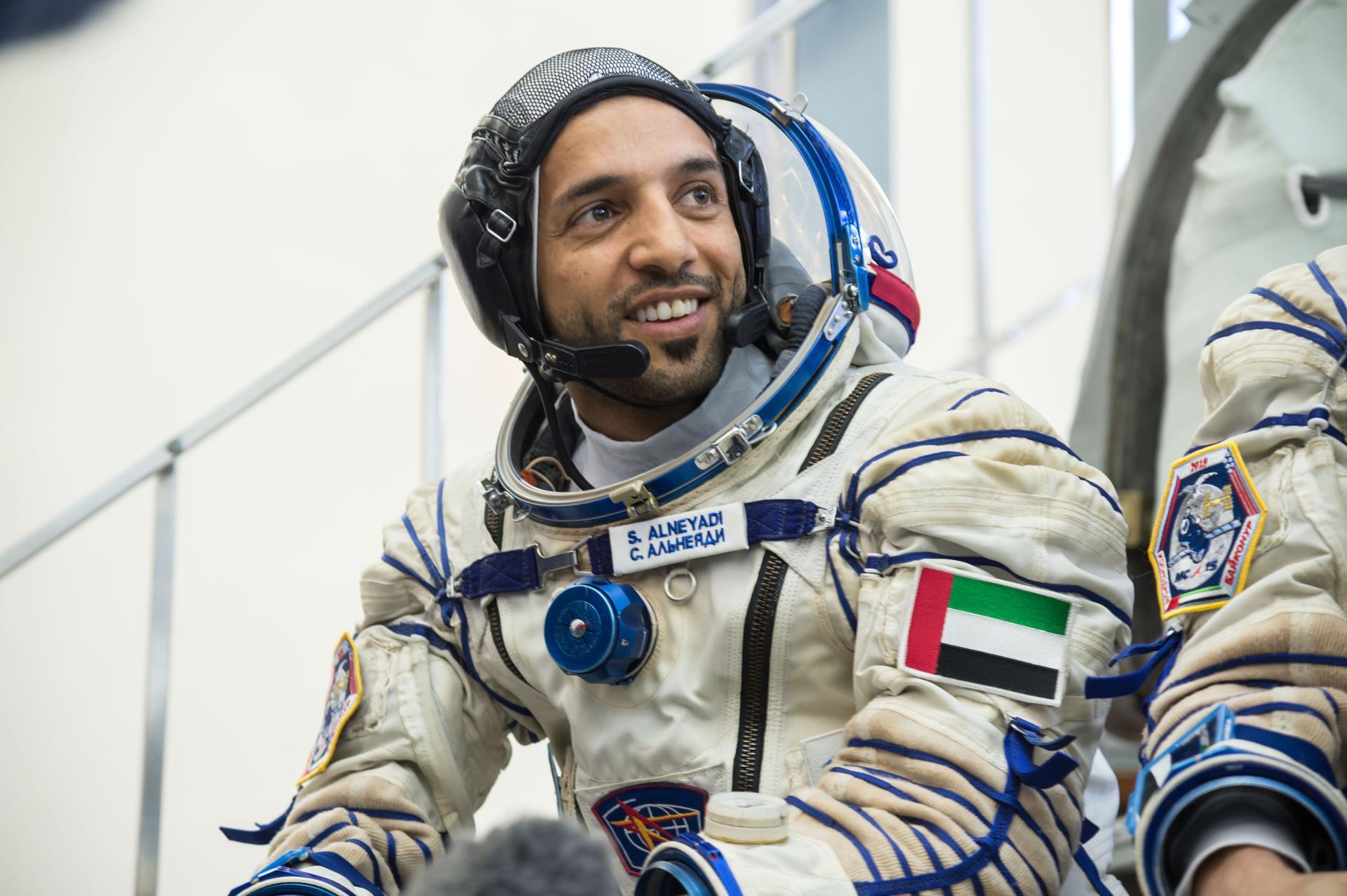 رائدا الفضاء الإماراتيان يتوجان فترة تدريبهما في موسكو بنجاح