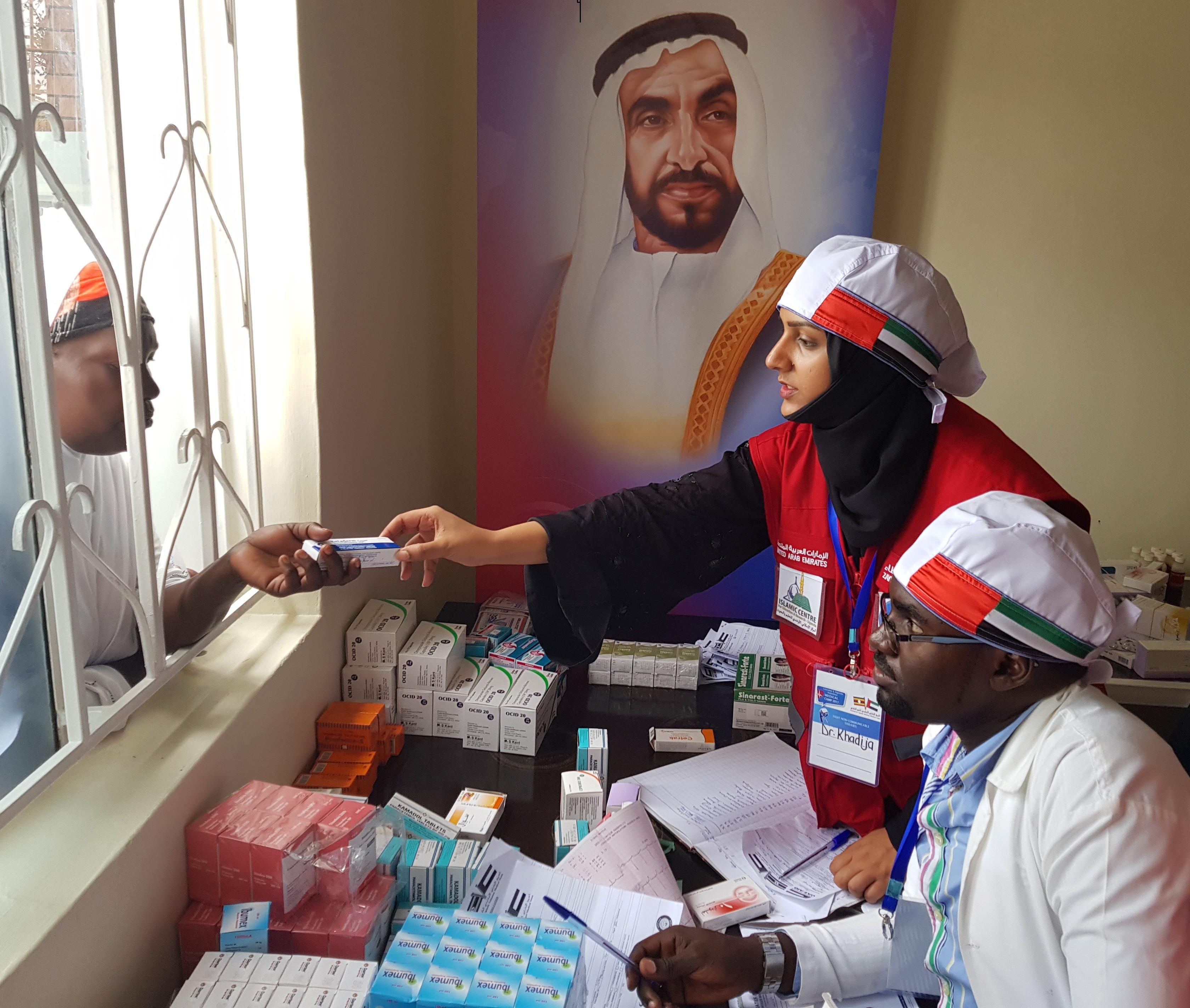 طبيبات الإمارات يتطوعون بمليون ونصف المليون ساعة تطوع لخدمة الإنسانية