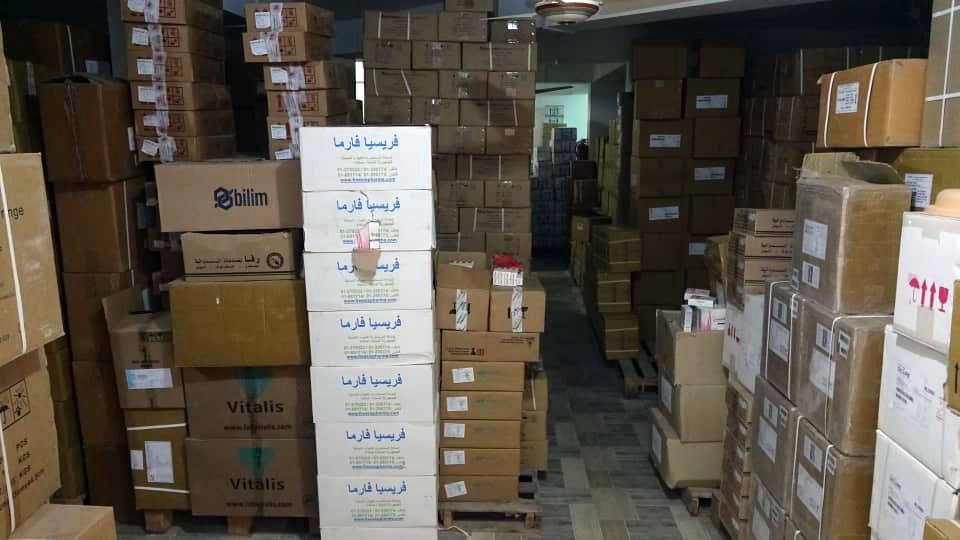 الإمارات تقدم شحنة أدوية ومستلزمات طبية لمستشفى الرازي في أبين