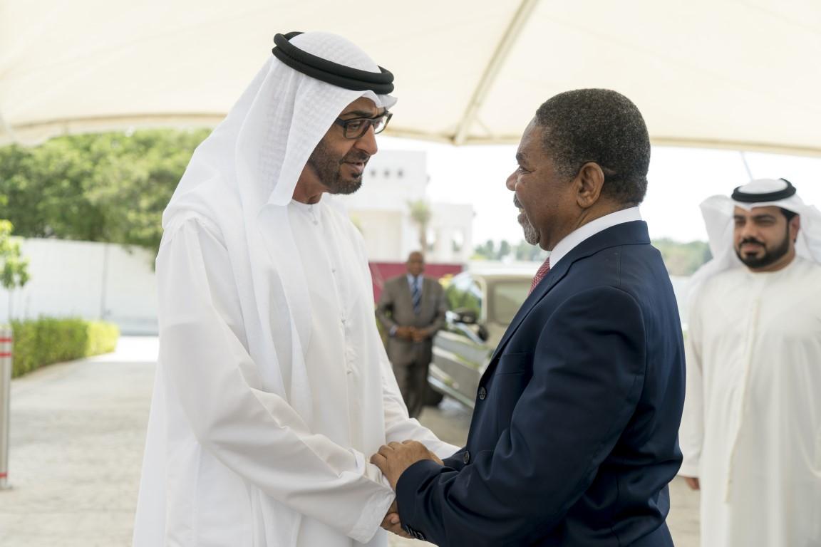 محمد بن زايد يستقبل رئيس إقليم زنجبار