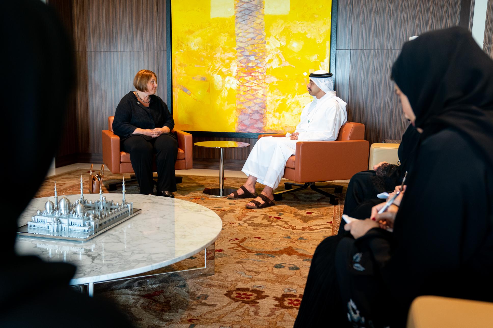عبدالله بن زايد يتسلم أوراق اعتماد المنسق المقيم للأمم المتحدة لدى الدولة