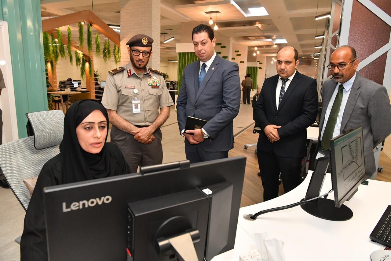 إقامة دبي تبحث التجارب الناجحة مع وفد مصري