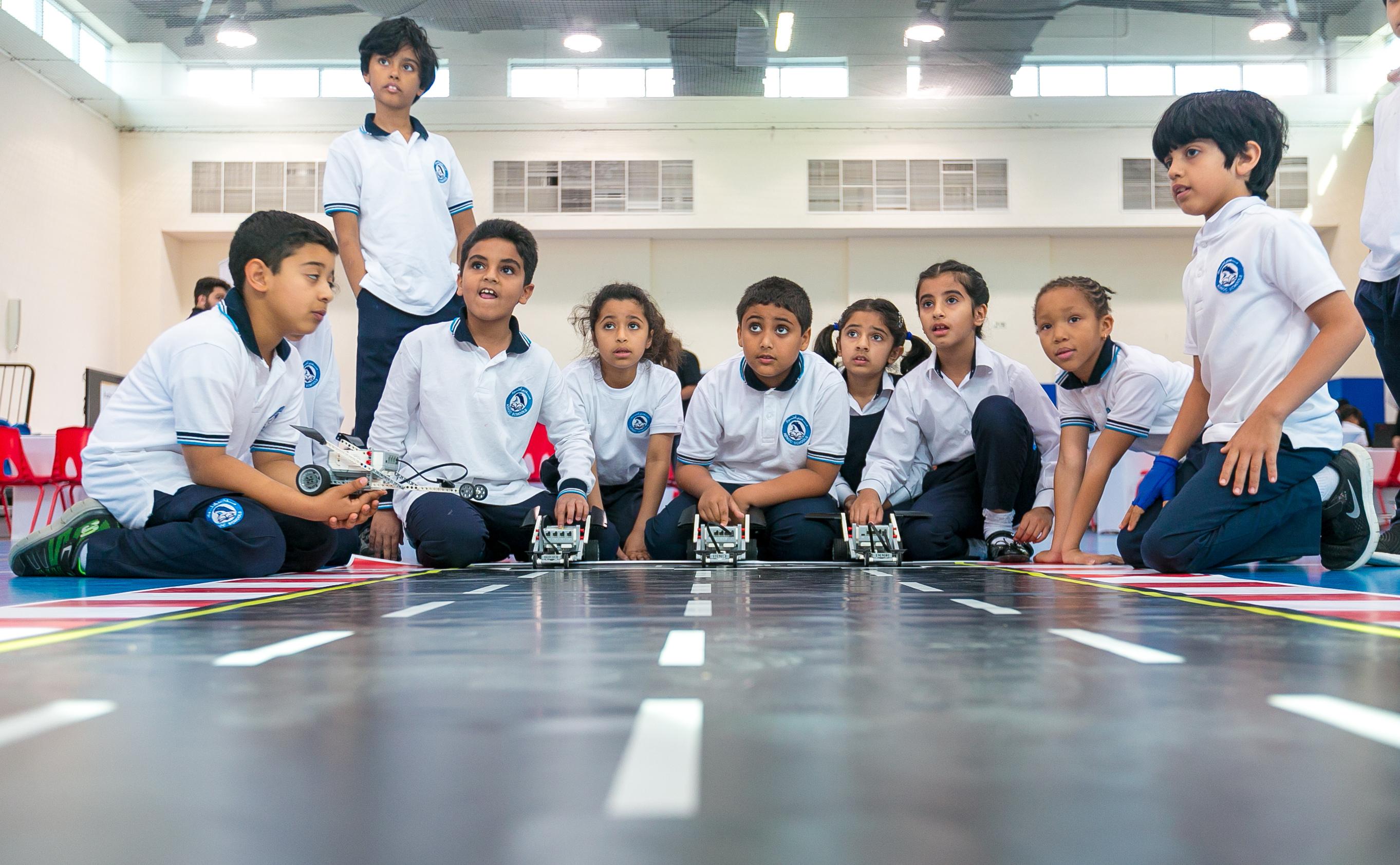"""7400 طالب وطالبة يستفيدون من برنامج """"أدنوك"""" في مجال تعليم الـ""""STEM"""""""
