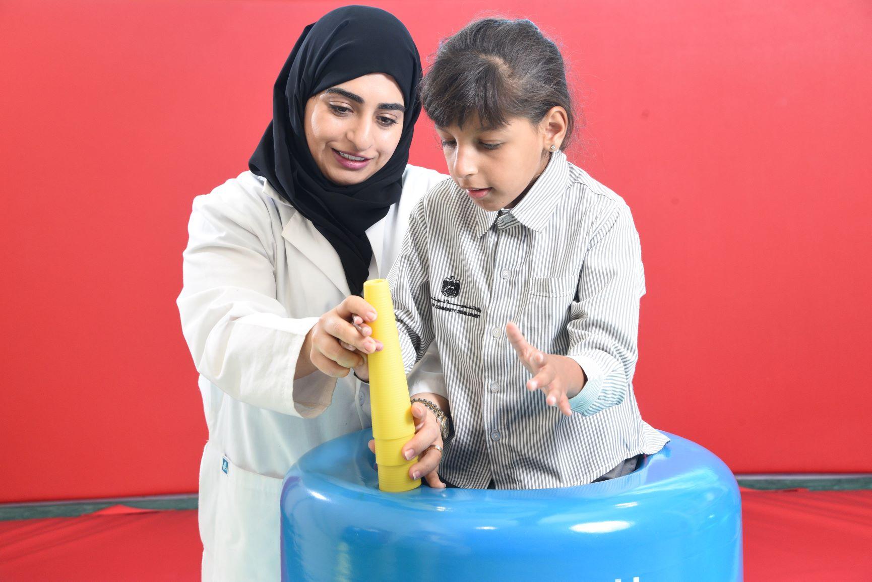 """""""تنمية المجتمع""""  تصدر دليل خدمات الأسرة في برنامج الإمارات للتدخل المبكر"""