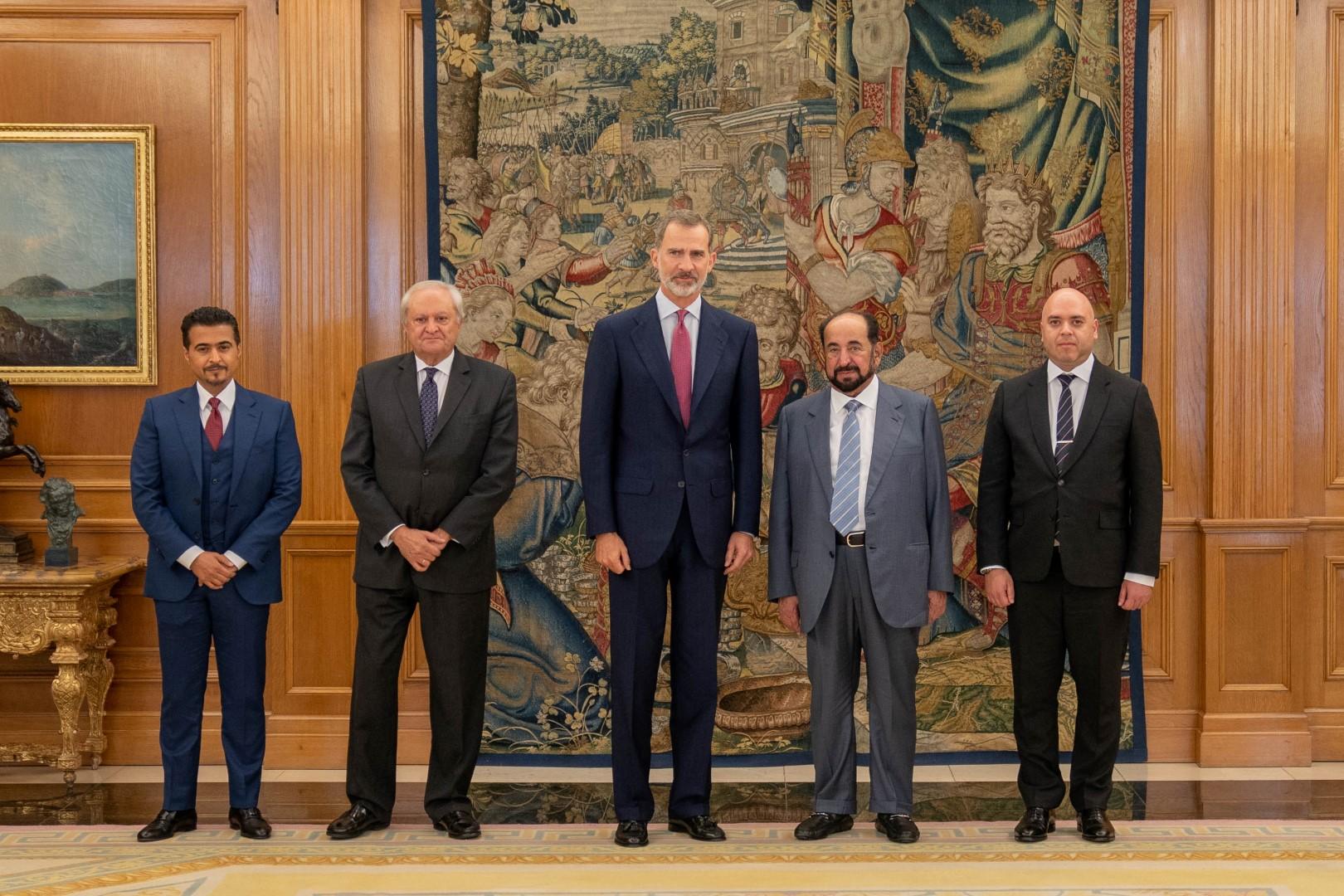 ملك إسبانيا يستقبل حاكم الشارقة في قصر زارزويلا بمدريد