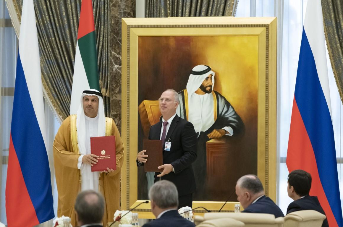 محمد بن زايد و الرئيس الروسي يشهدان تبادل إتفاقيات ومذكرات تفاهم بين البلدين