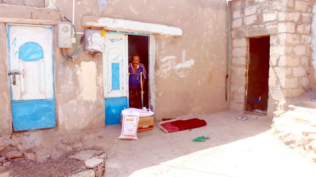 الإمارات تواصل إغاثة العائدين لقراهم في محافظة الضالع