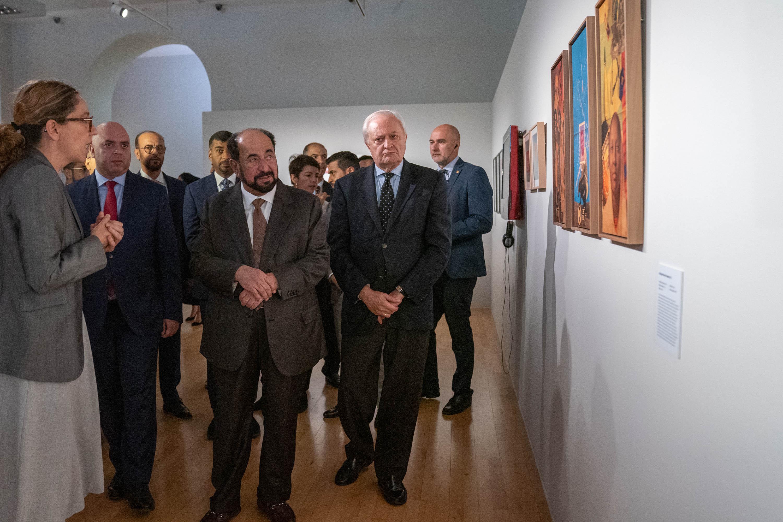 """مقدمة 1 / سلطان القاسمي يزور البيت العربي في مدريد ويشهد توقيعه اتفاقية مع """"الشارقة للكتاب"""""""