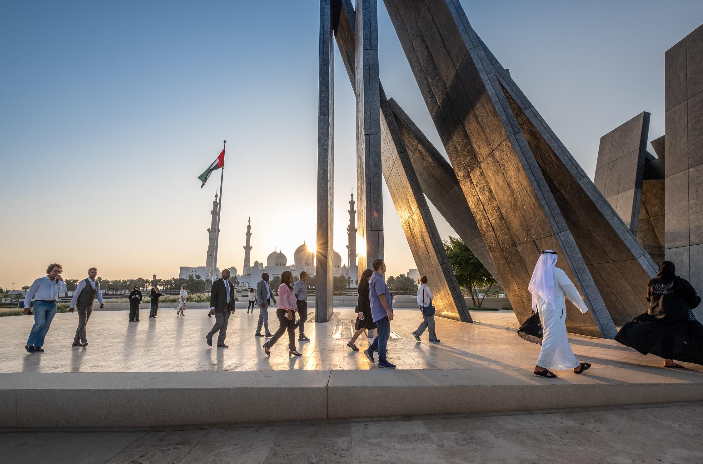 siti di incontri gratuiti negli Emirati Arabi Uniti datazione di una donna più giovane al College