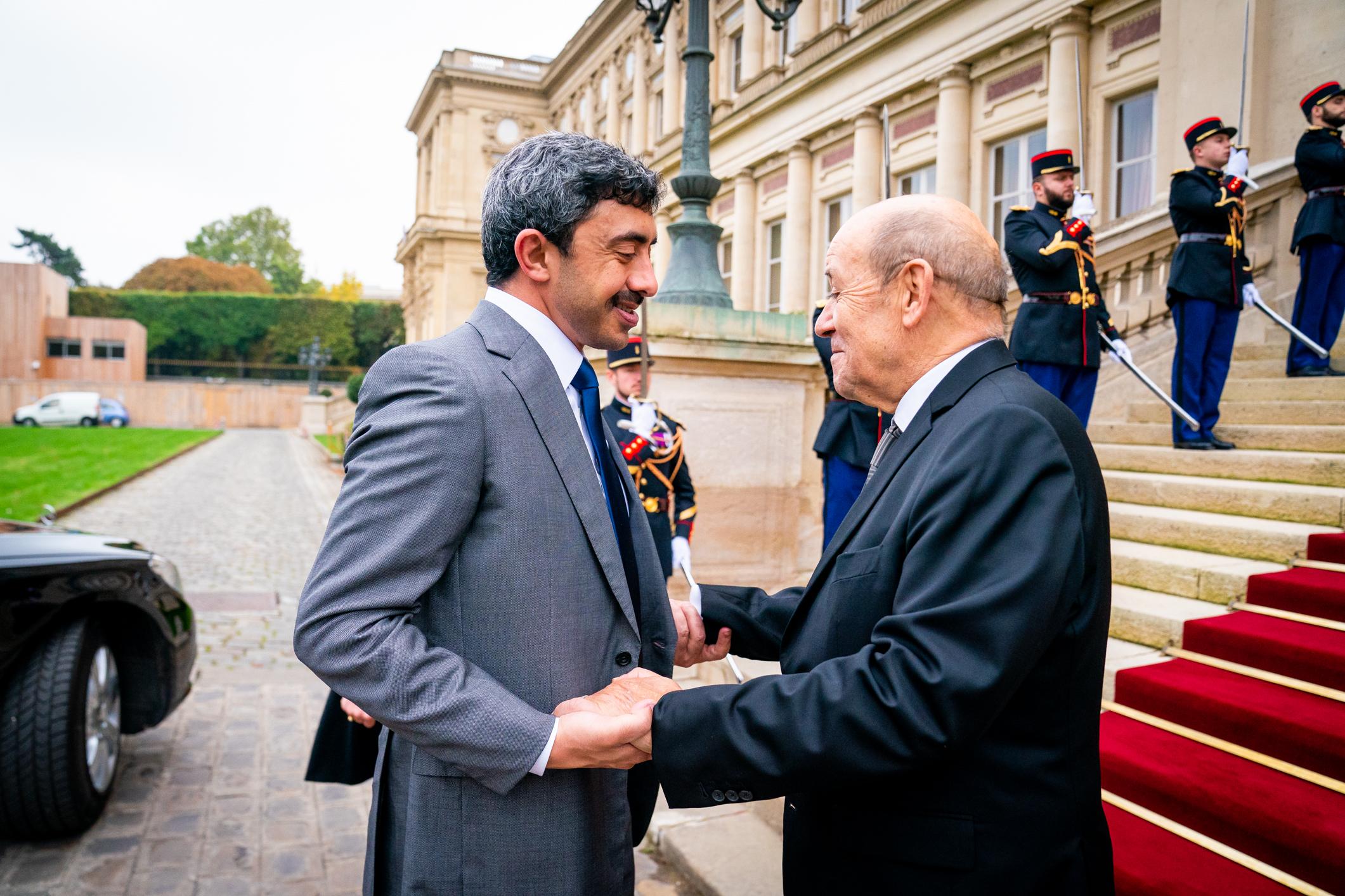 عبدالله بن زايد يلتقي وزير خارجية فرنسا
