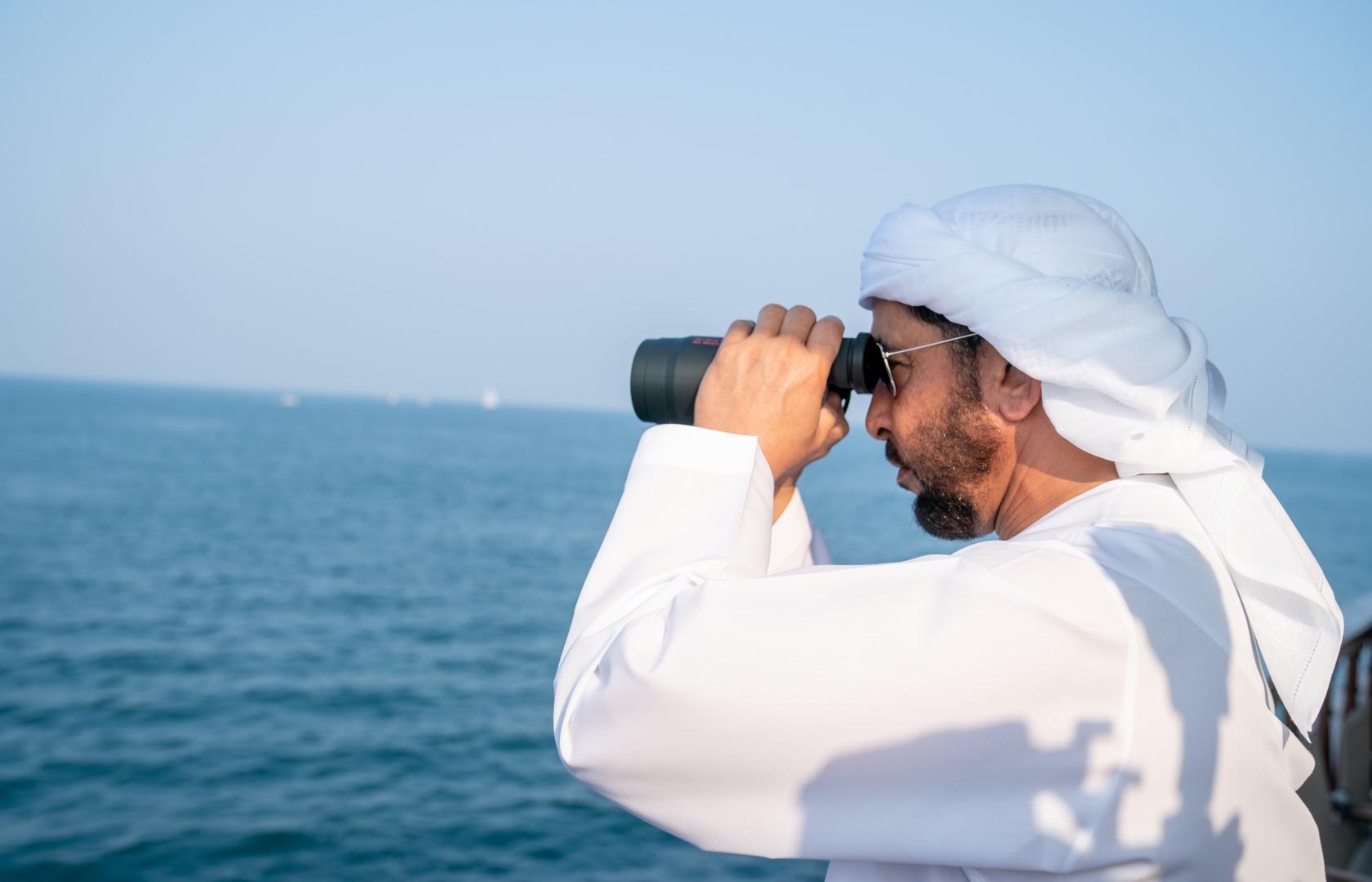 حمدان بن زايد يتوج المحمل