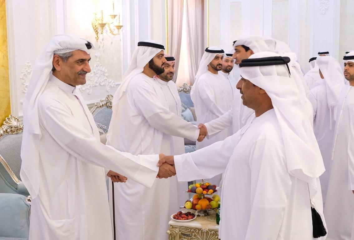 """حمد الشرقي يتفقد منطقة """" الحنية """" ويطلع على أحوال المواطنين"""