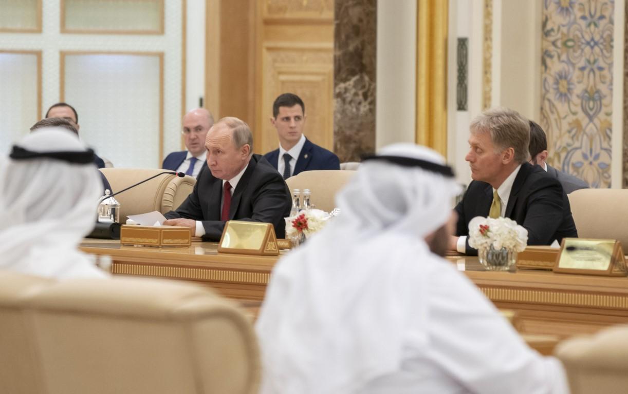 محمد بن زايد والرئيس الروسي يترأسان اجتماعا اقتصاديا بين مسؤولي البلدين