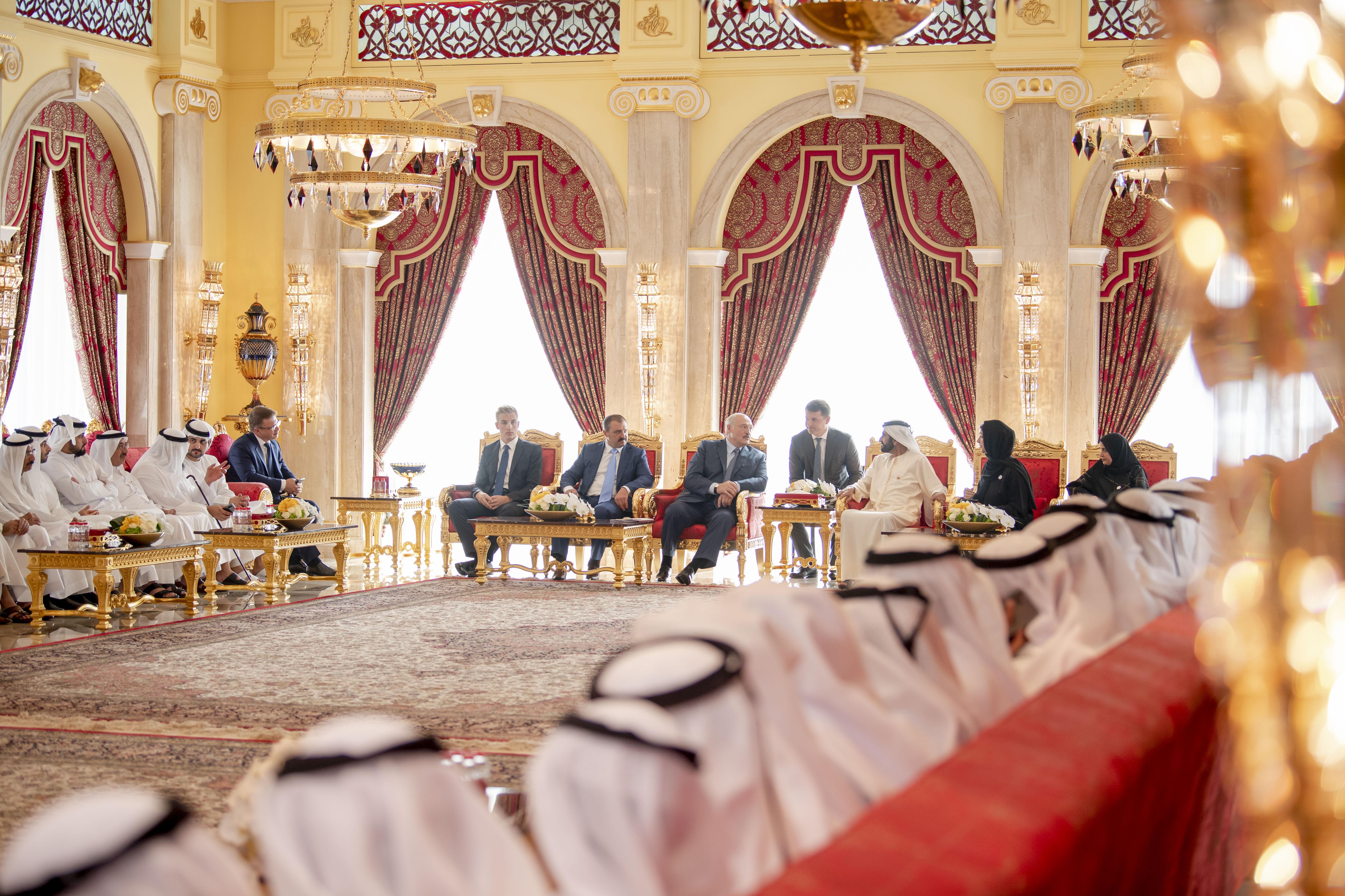 محمد بن راشد يستقبل رئيس بيلاروسيا