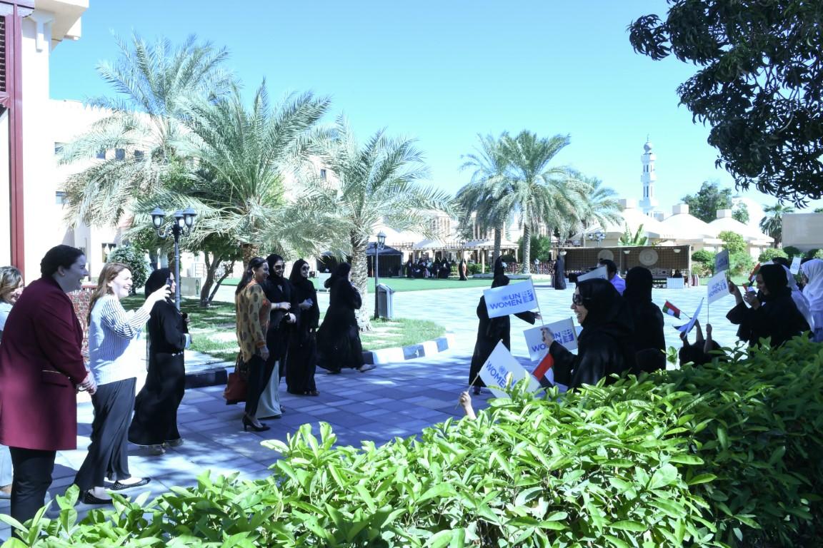 وفد أممي يشيد بجهود الشيخة فاطمة بنت مبارك للارتقاء بالمرأة الاماراتية