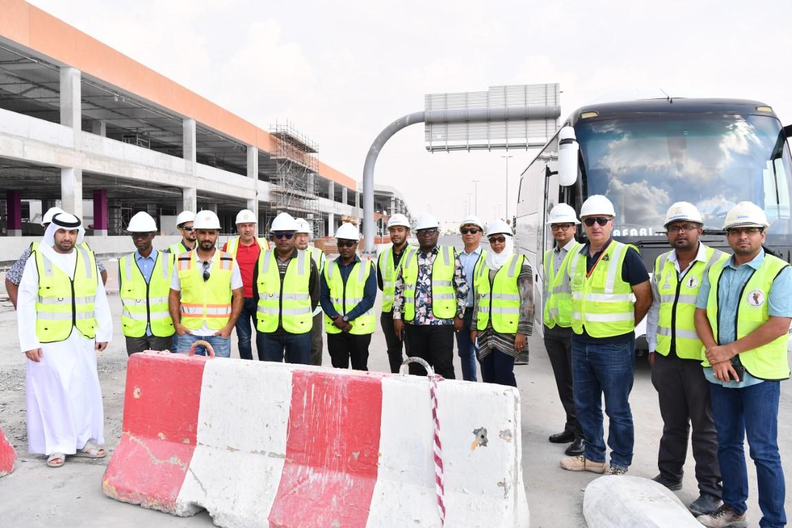 """"""" تطوير البنية التحتية """" تطلع وفدا حكوميا تنزانيا على مشاريعها في مجال الطرق"""