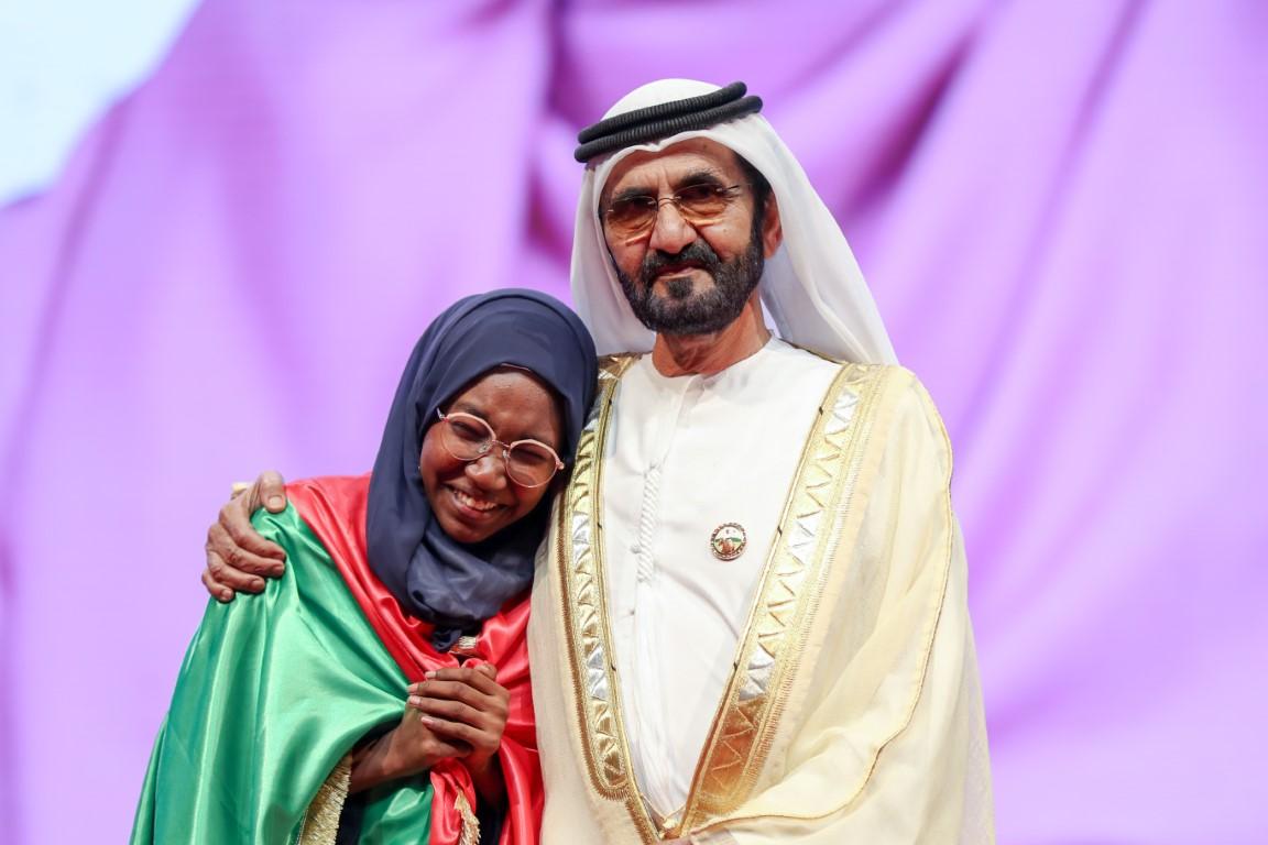 محمد بن راشد يتوج هديل أنور من السودان بطلةً لتحدي القراءة العربي للعام 2019 ويكرّم الفائزين