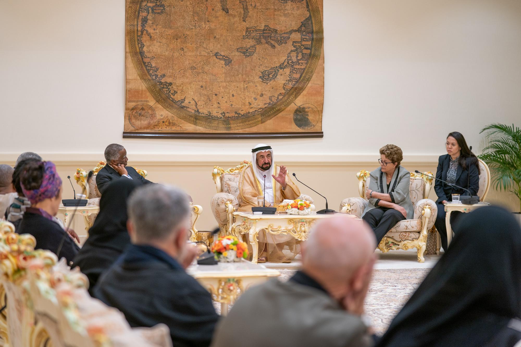 سلطان القاسمي يلتقي مجموعة عمل حقوق الأجيال القادمة