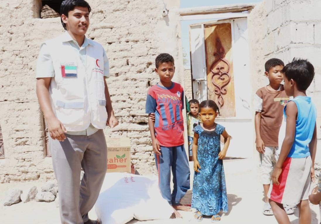 مساعدات إماراتية عاجلة لسكان شبوة