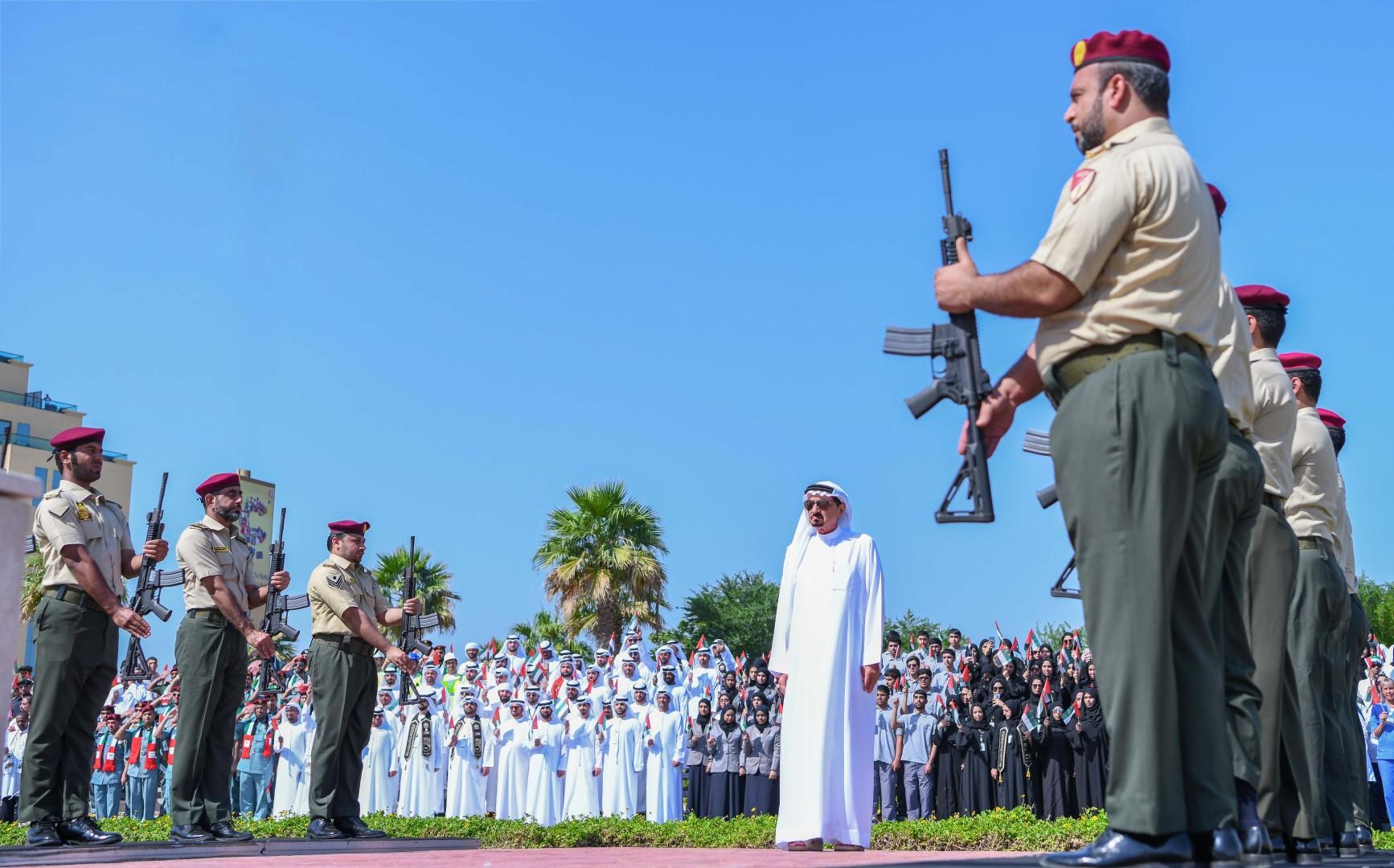 حاكم عجمان : يوم العلم يعبر عن مدى محبة الناس للوطن وقيادته وعلمه